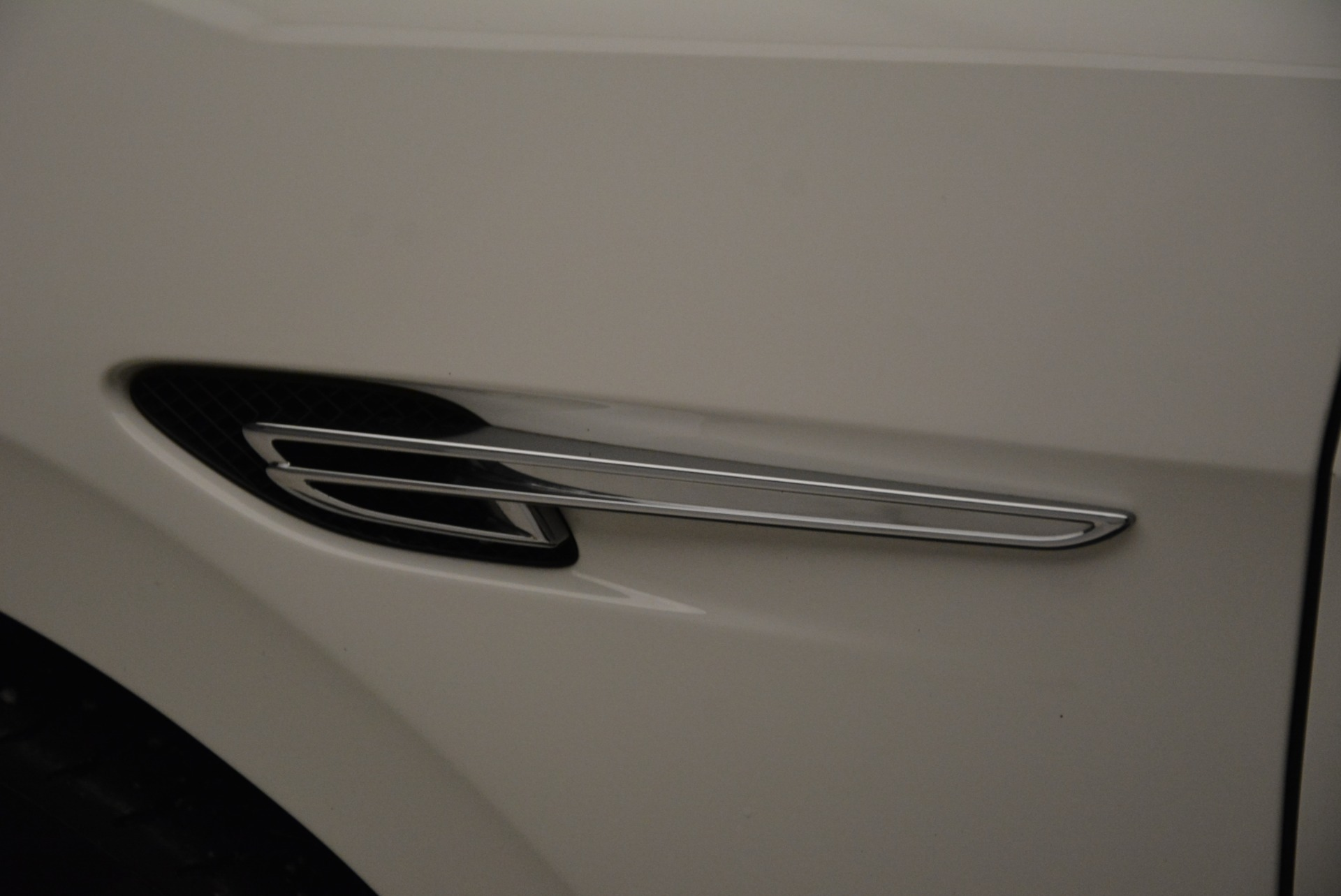 Used 2014 Bentley Flying Spur W12 For Sale In Westport, CT 1906_p20