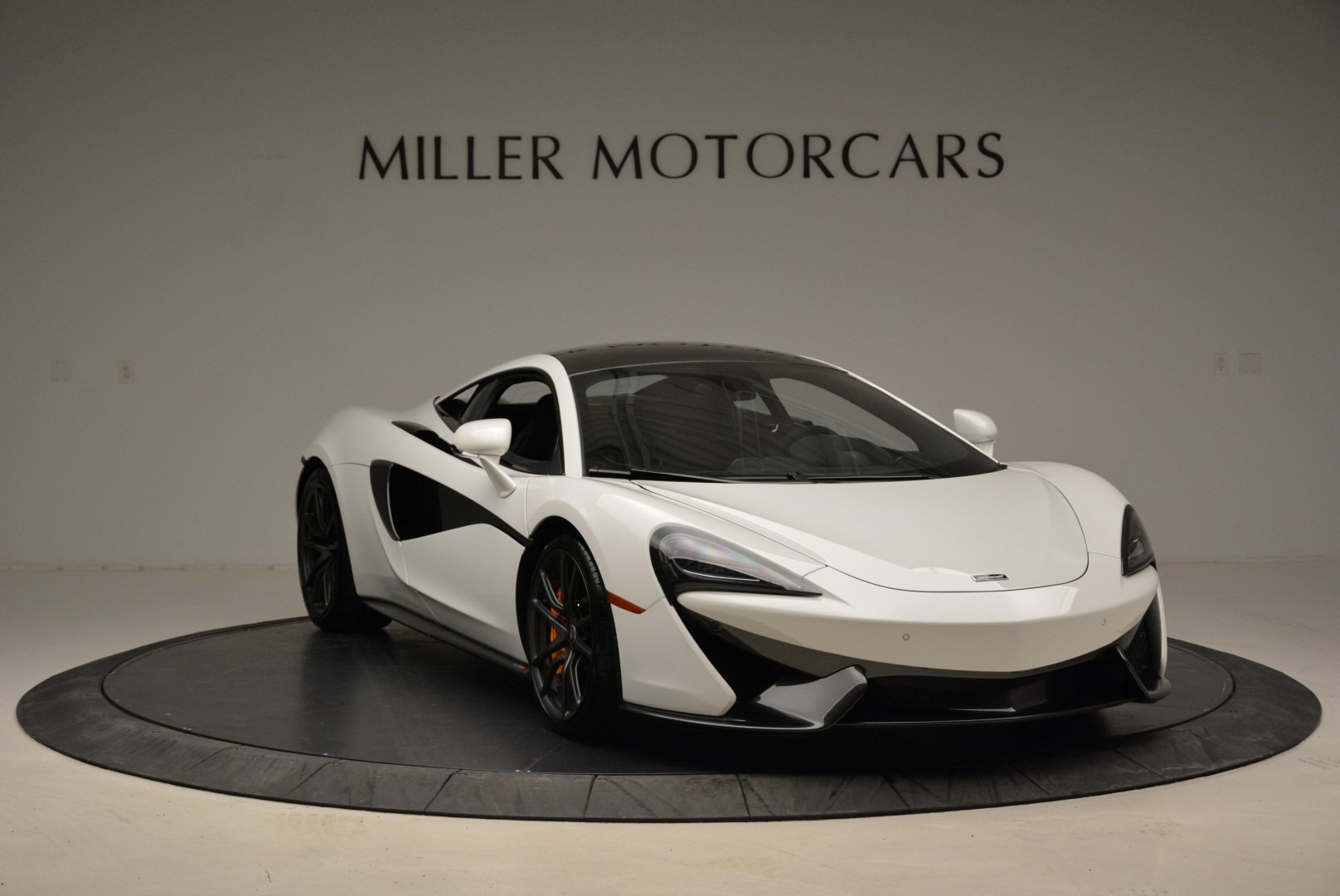 Used 2017 McLaren 570S  For Sale In Westport, CT 1914_p11