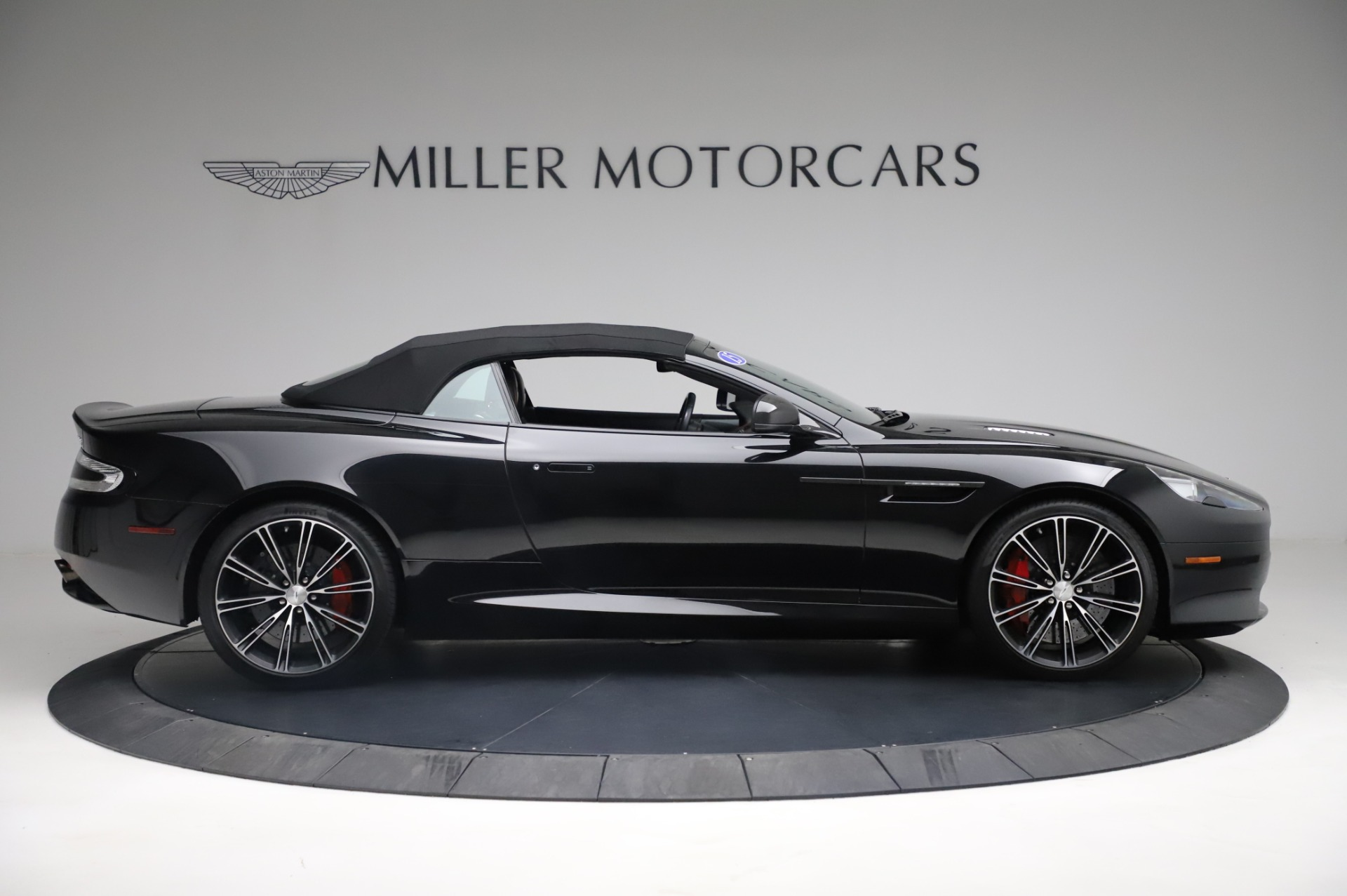 Used 2015 Aston Martin DB9 Carbon Edition Volante For Sale In Westport, CT 1919_p18