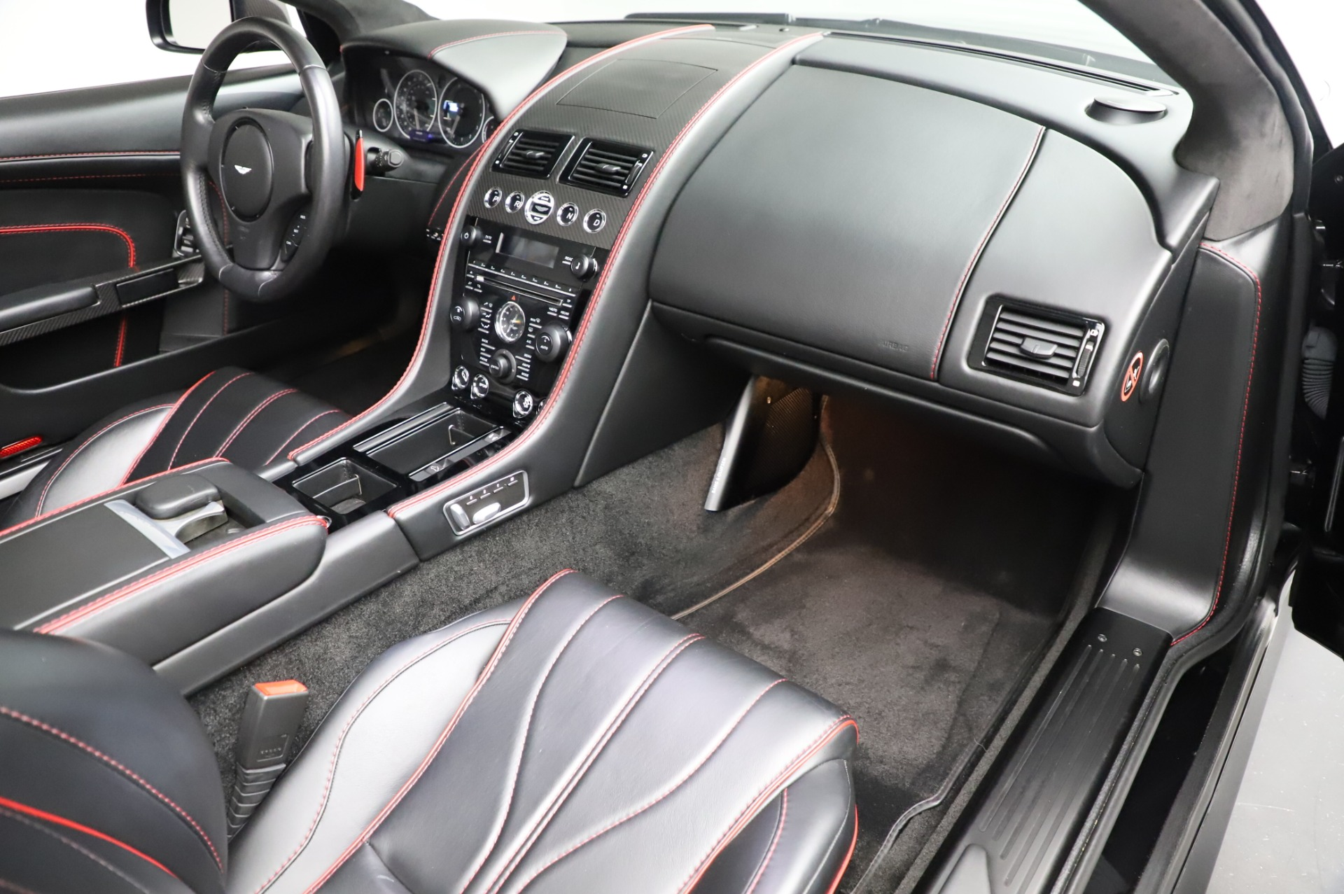 Used 2015 Aston Martin DB9 Carbon Edition Volante For Sale In Westport, CT 1919_p26