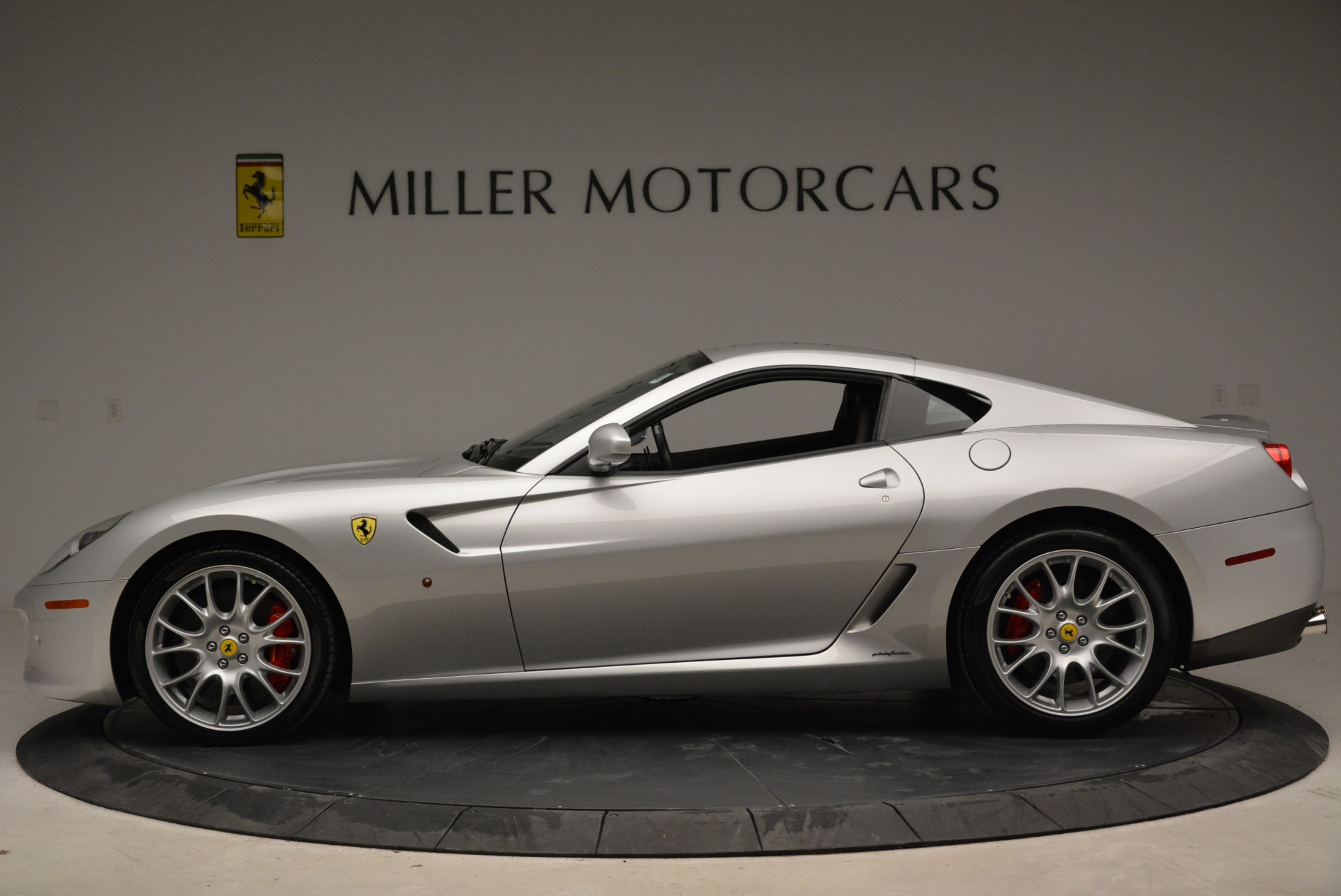 Used 2010 Ferrari 599 GTB Fiorano  For Sale In Westport, CT 1956_p3
