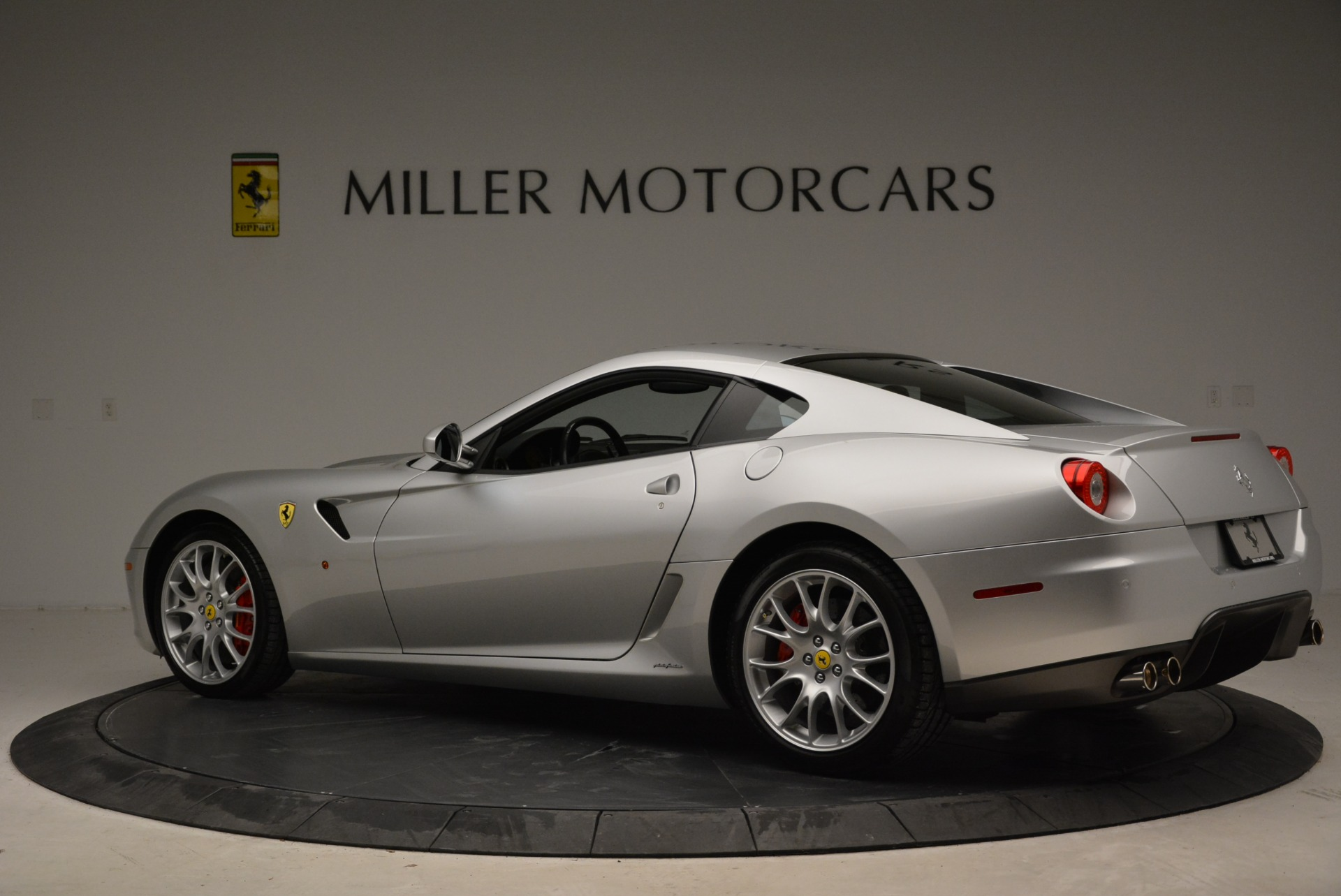 Used 2010 Ferrari 599 GTB Fiorano  For Sale In Westport, CT 1956_p4