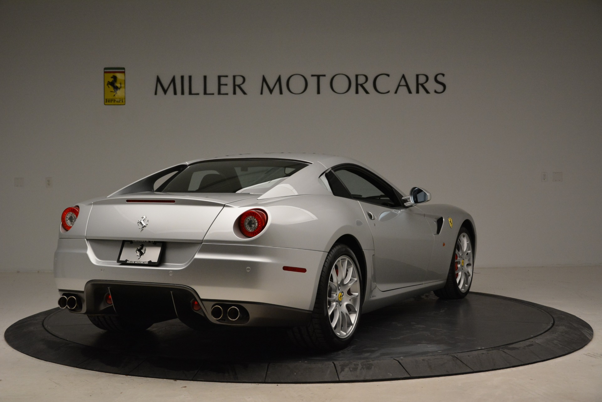 Used 2010 Ferrari 599 GTB Fiorano  For Sale In Westport, CT 1956_p7