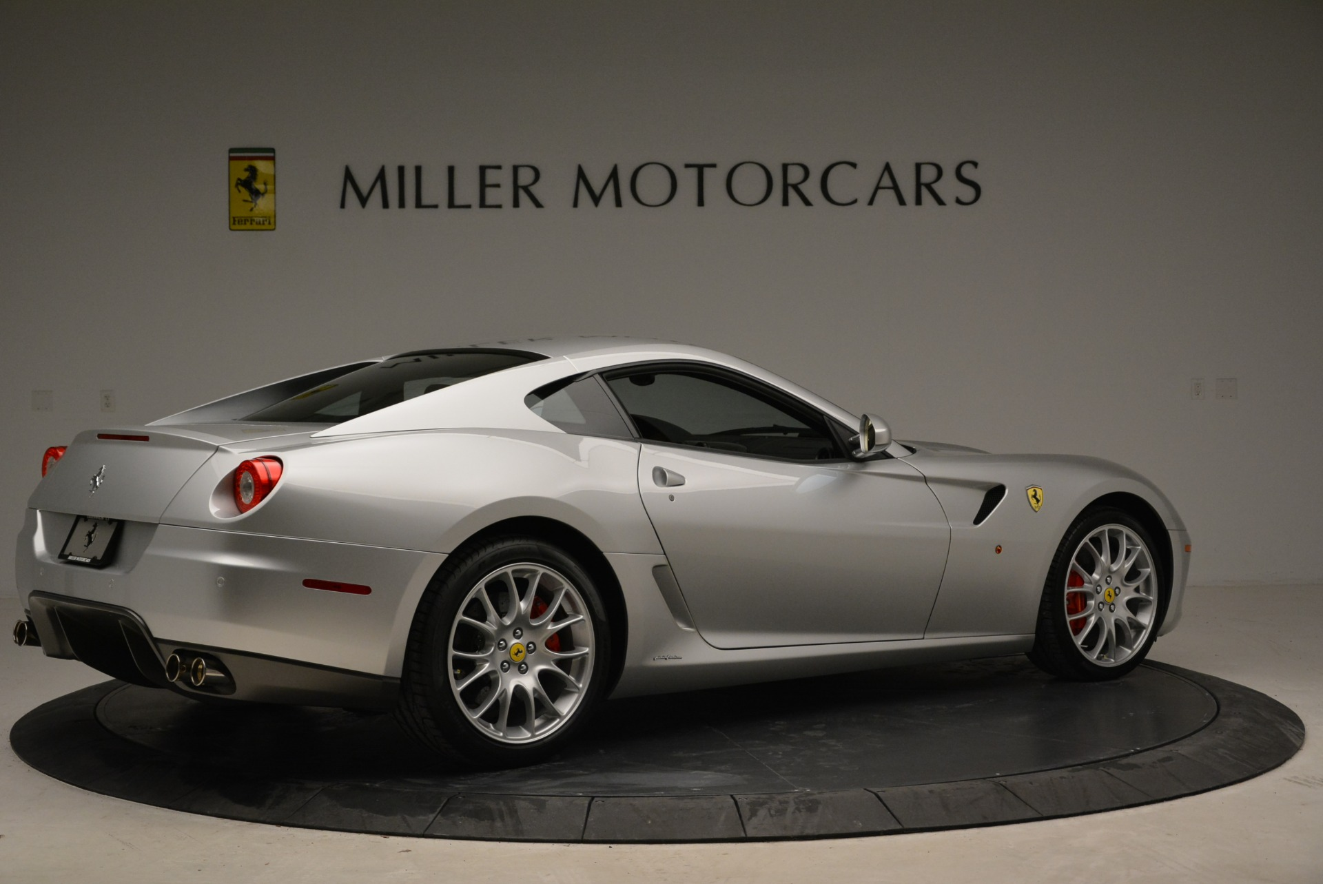 Used 2010 Ferrari 599 GTB Fiorano  For Sale In Westport, CT 1956_p8