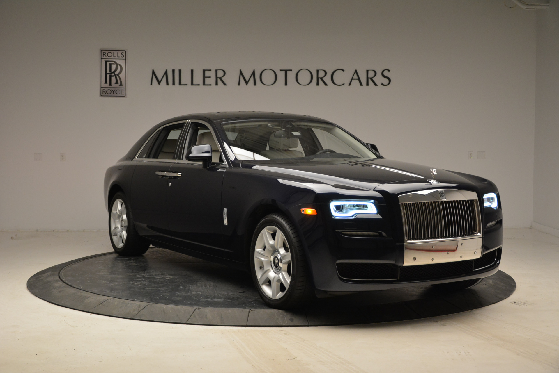 Used 2015 Rolls-Royce Ghost  For Sale In Westport, CT 1980_p11