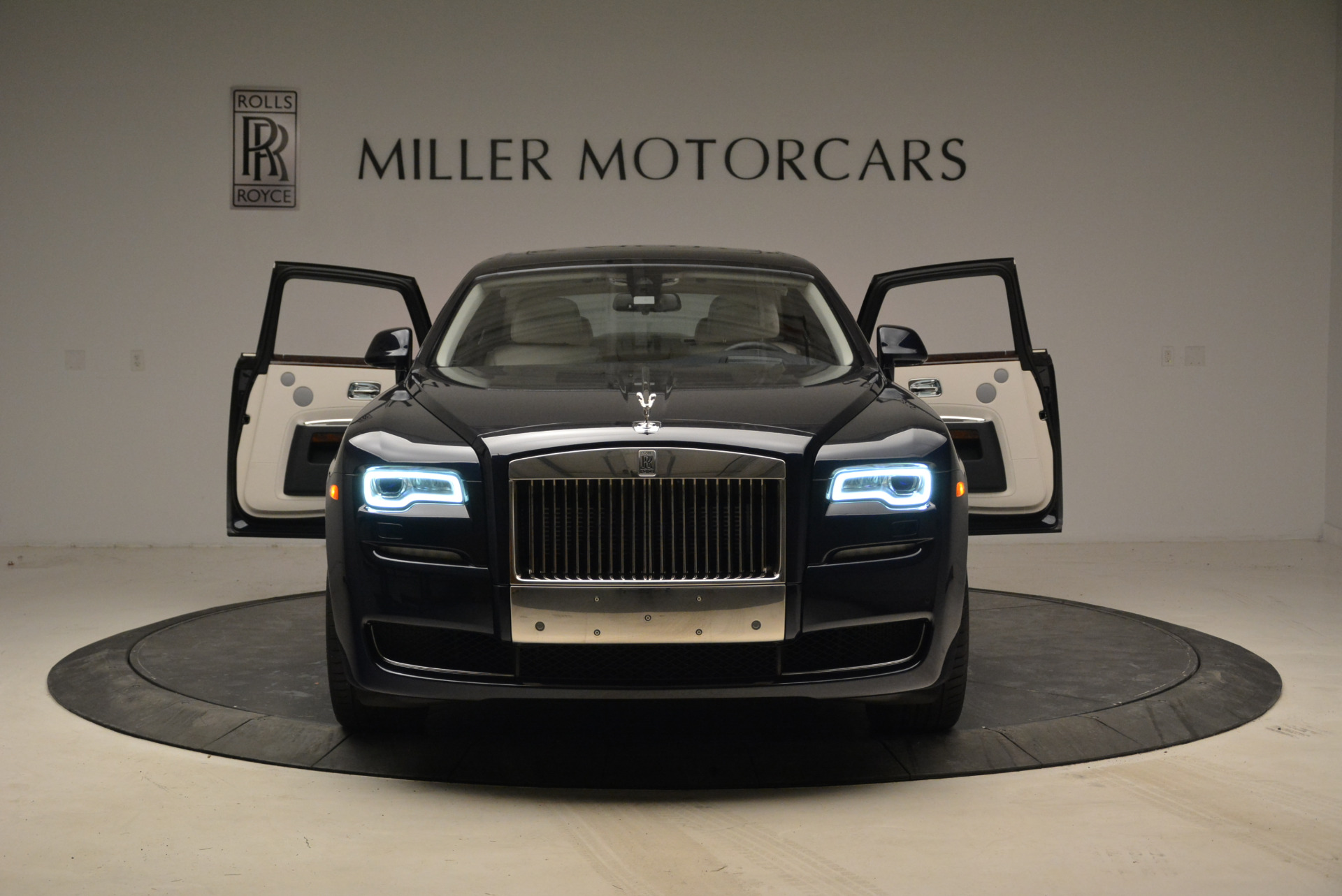 Used 2015 Rolls-Royce Ghost  For Sale In Westport, CT 1980_p13