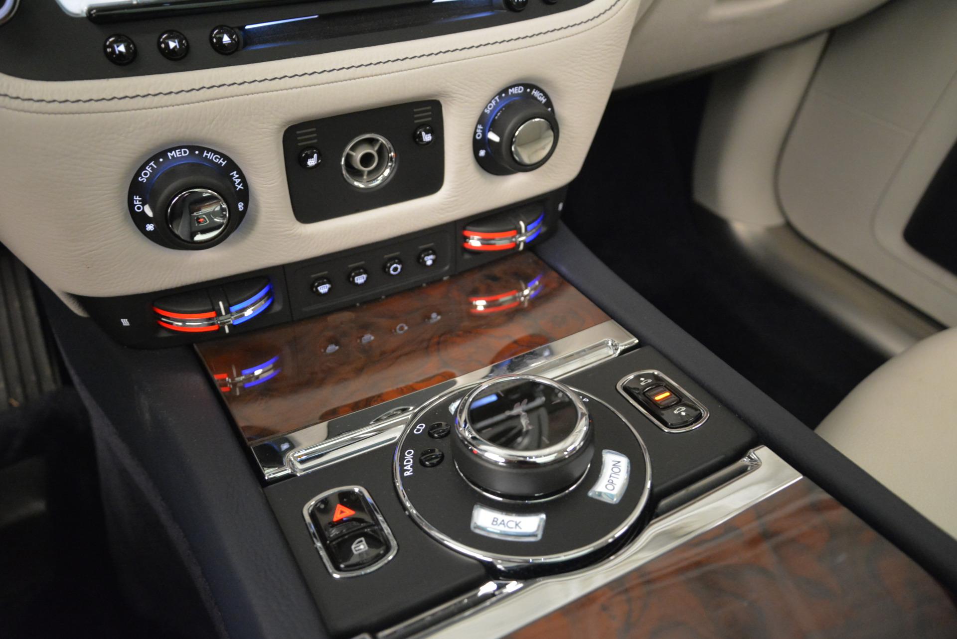 Used 2015 Rolls-Royce Ghost  For Sale In Westport, CT 1980_p23