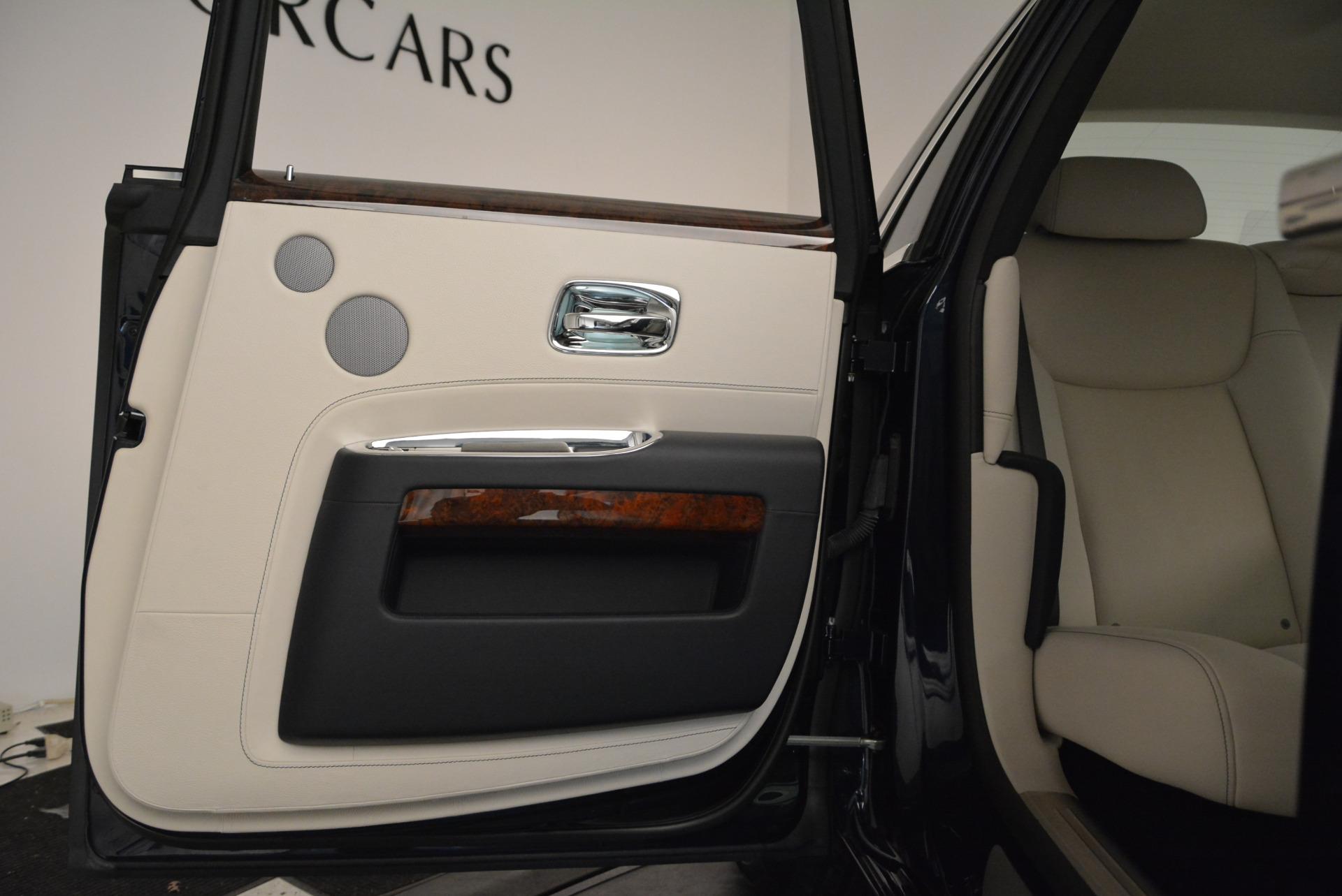 Used 2015 Rolls-Royce Ghost  For Sale In Westport, CT 1980_p29