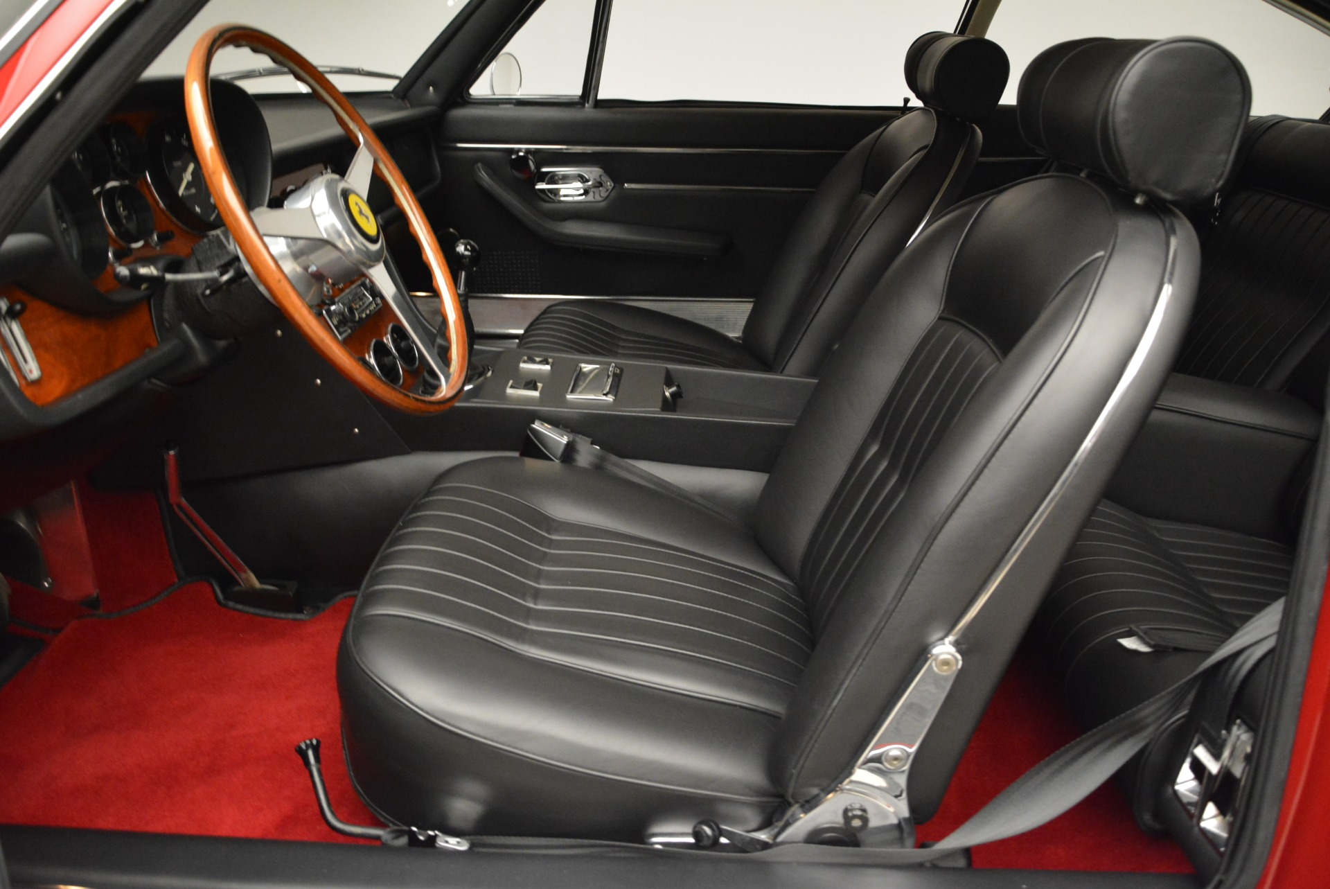 Used 1969 Ferrari 365 GT 2+2  For Sale In Westport, CT 1995_p14