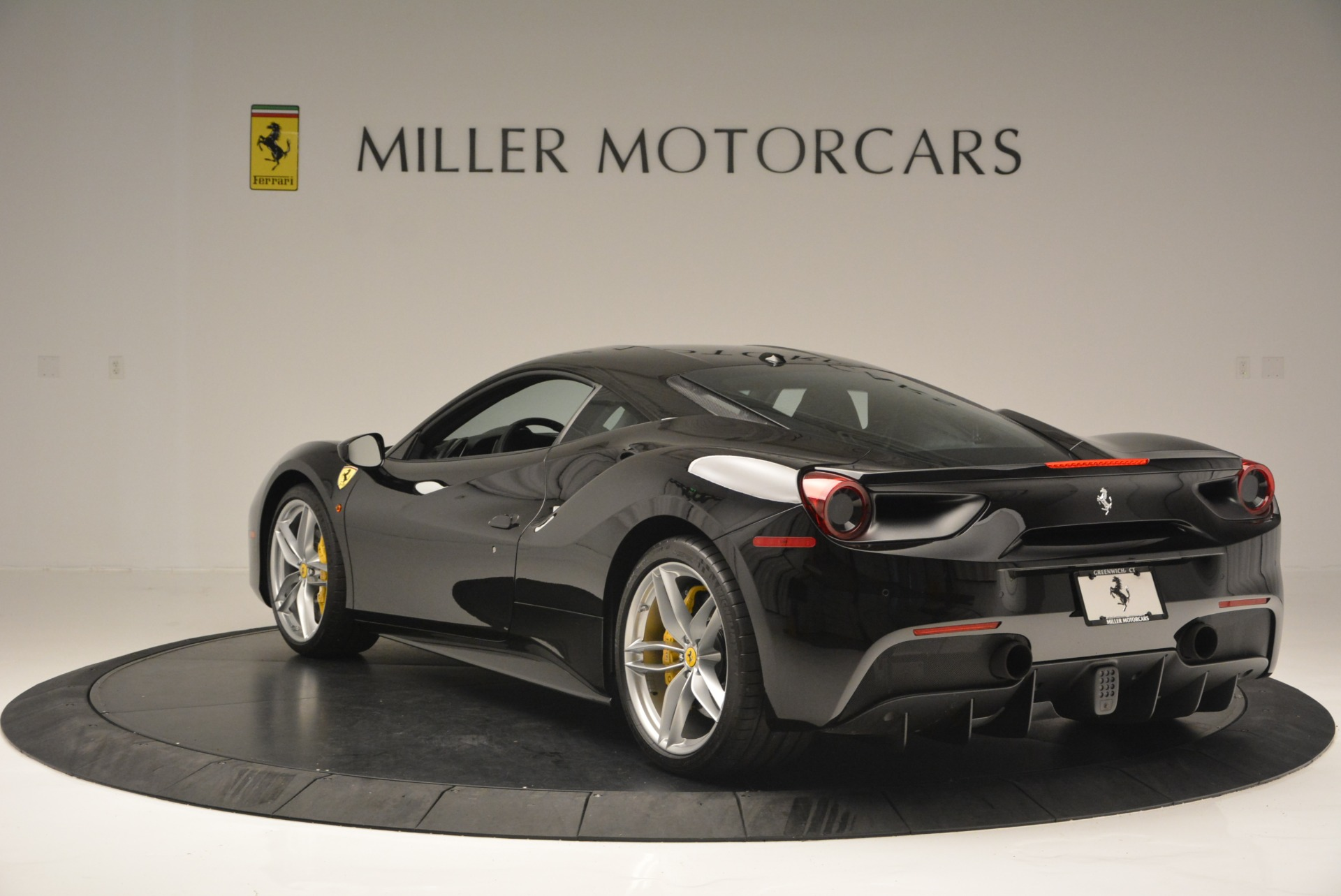 Used 2016 Ferrari 488 GTB  For Sale In Westport, CT 1996_p5