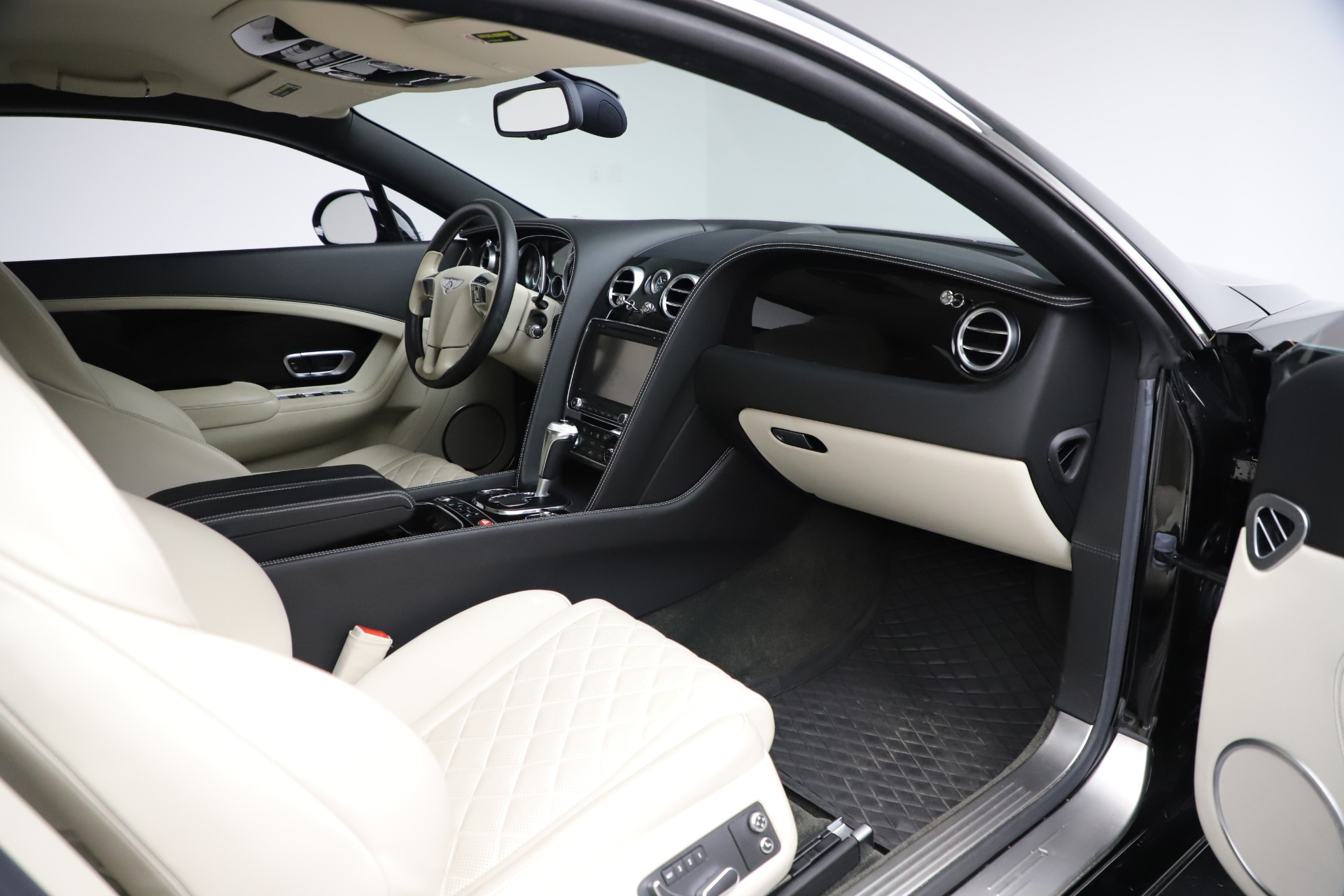 Used 2016 Bentley Continental GT W12 For Sale In Westport, CT 20_p23
