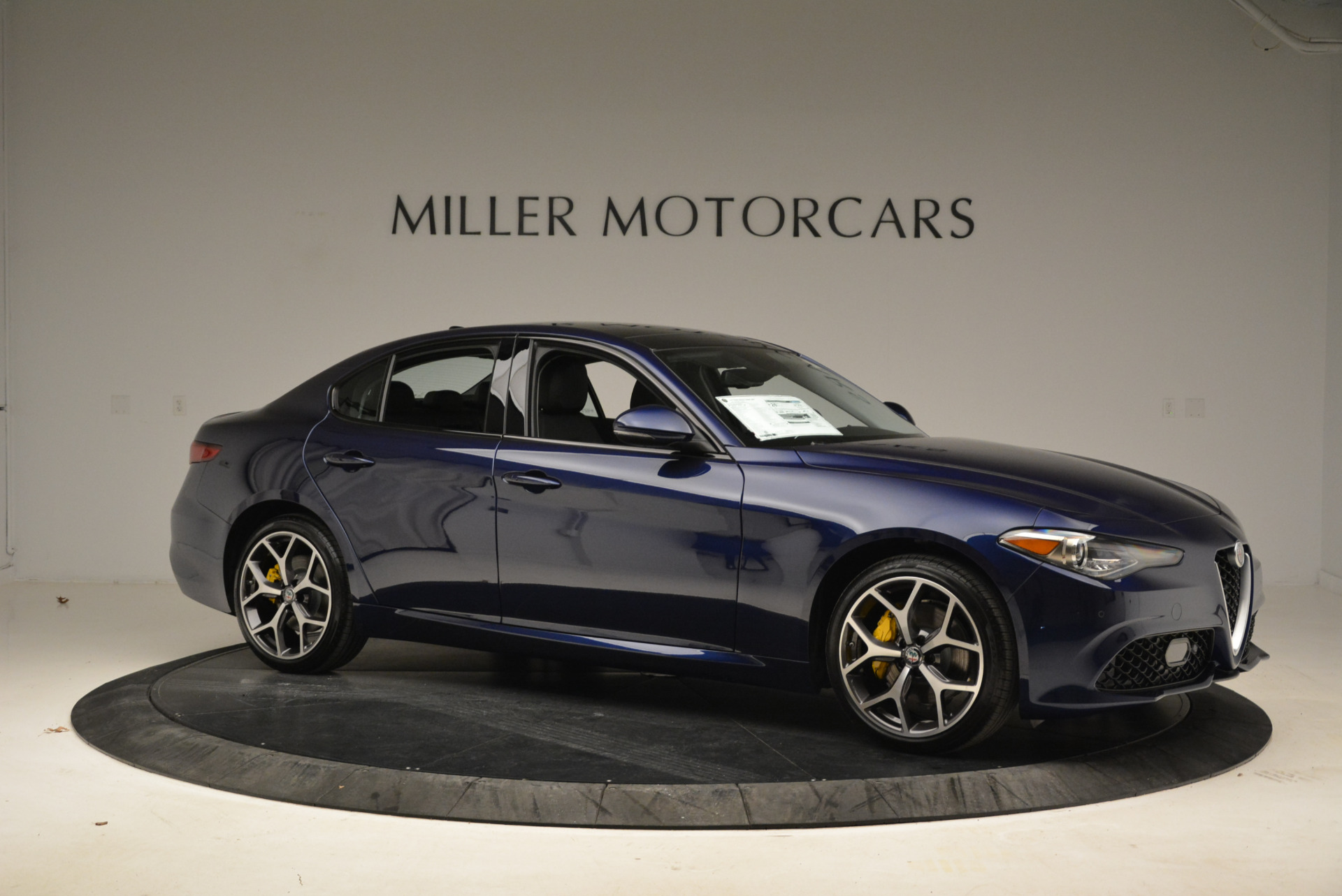 New 2018 Alfa Romeo Giulia Ti Sport Q4 For Sale In Westport, CT 2017_p10
