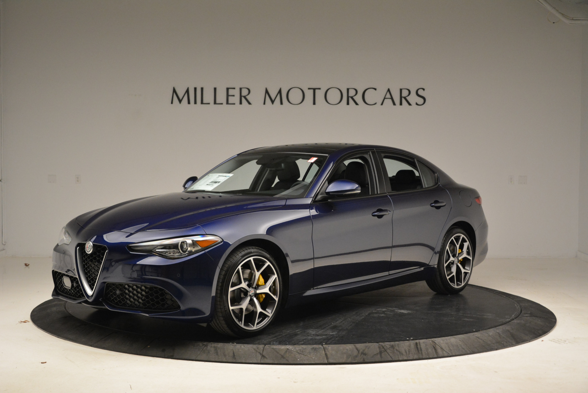 New 2018 Alfa Romeo Giulia Ti Sport Q4 For Sale In Westport, CT 2017_p2