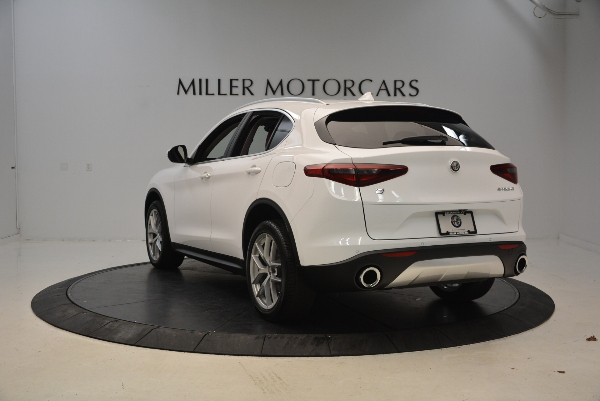New 2018 Alfa Romeo Stelvio Ti Q4 For Sale In Westport, CT 2027_p5