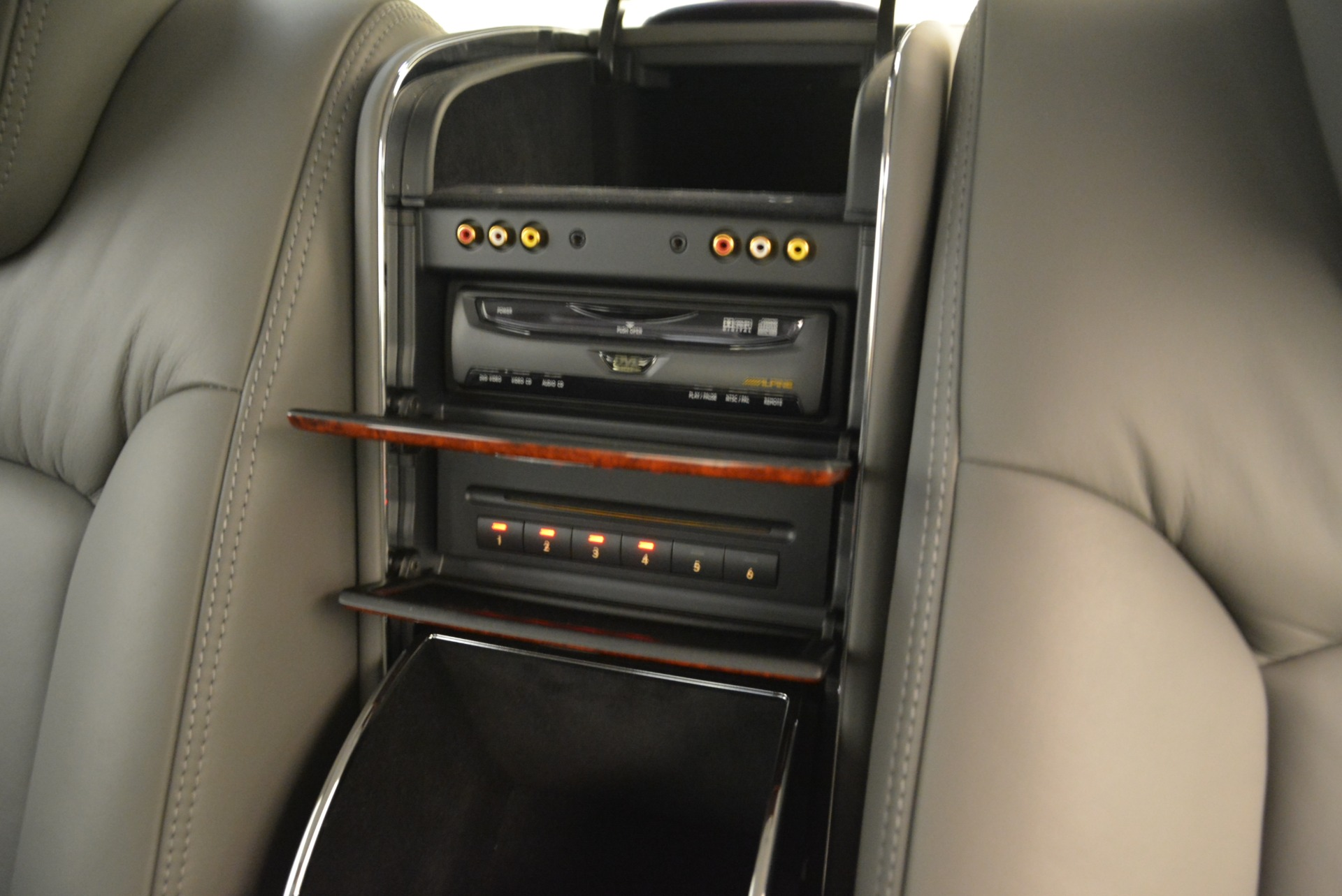 Used 2004 Maybach 57  For Sale In Westport, CT 2045_p31