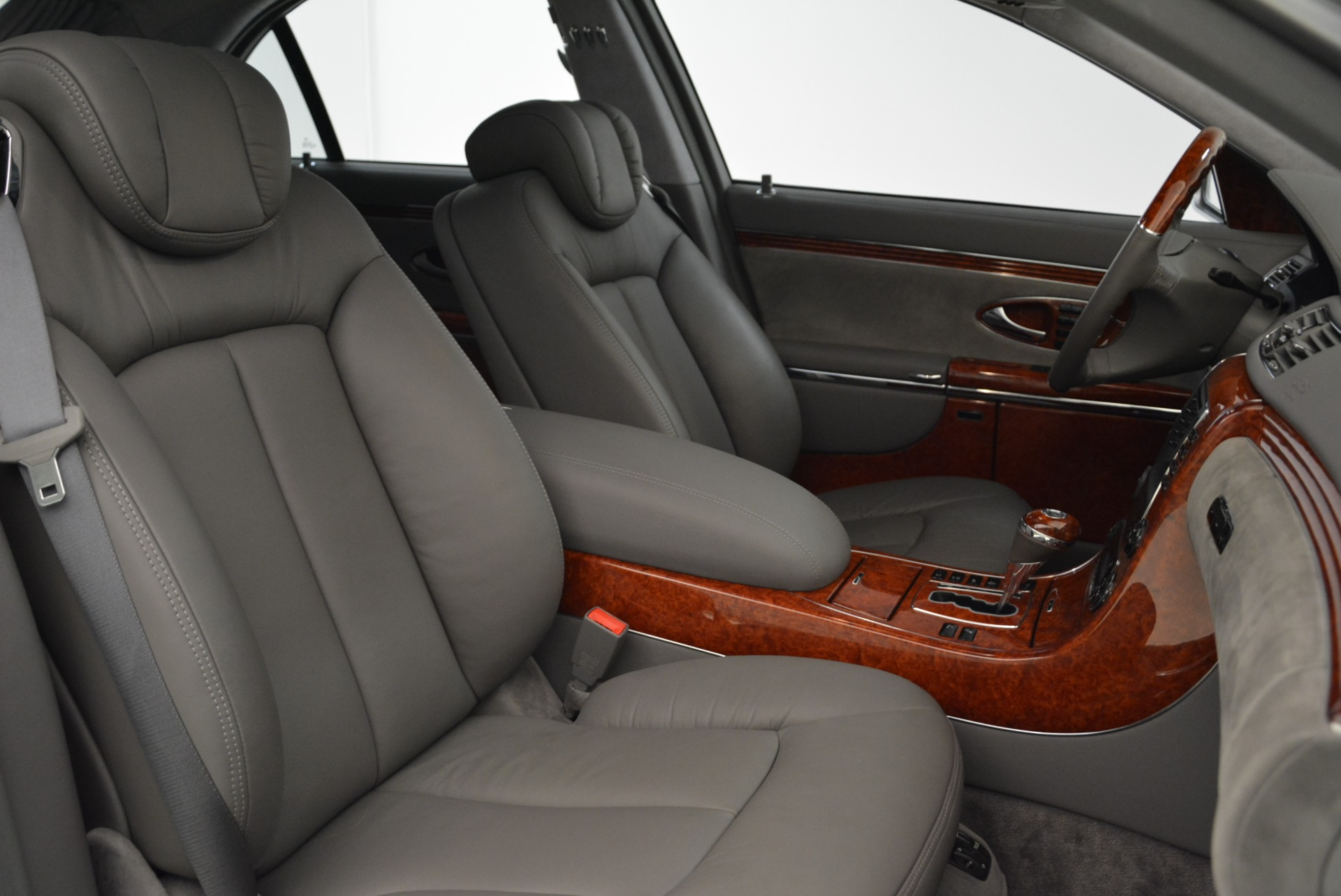 Used 2004 Maybach 57  For Sale In Westport, CT 2045_p37
