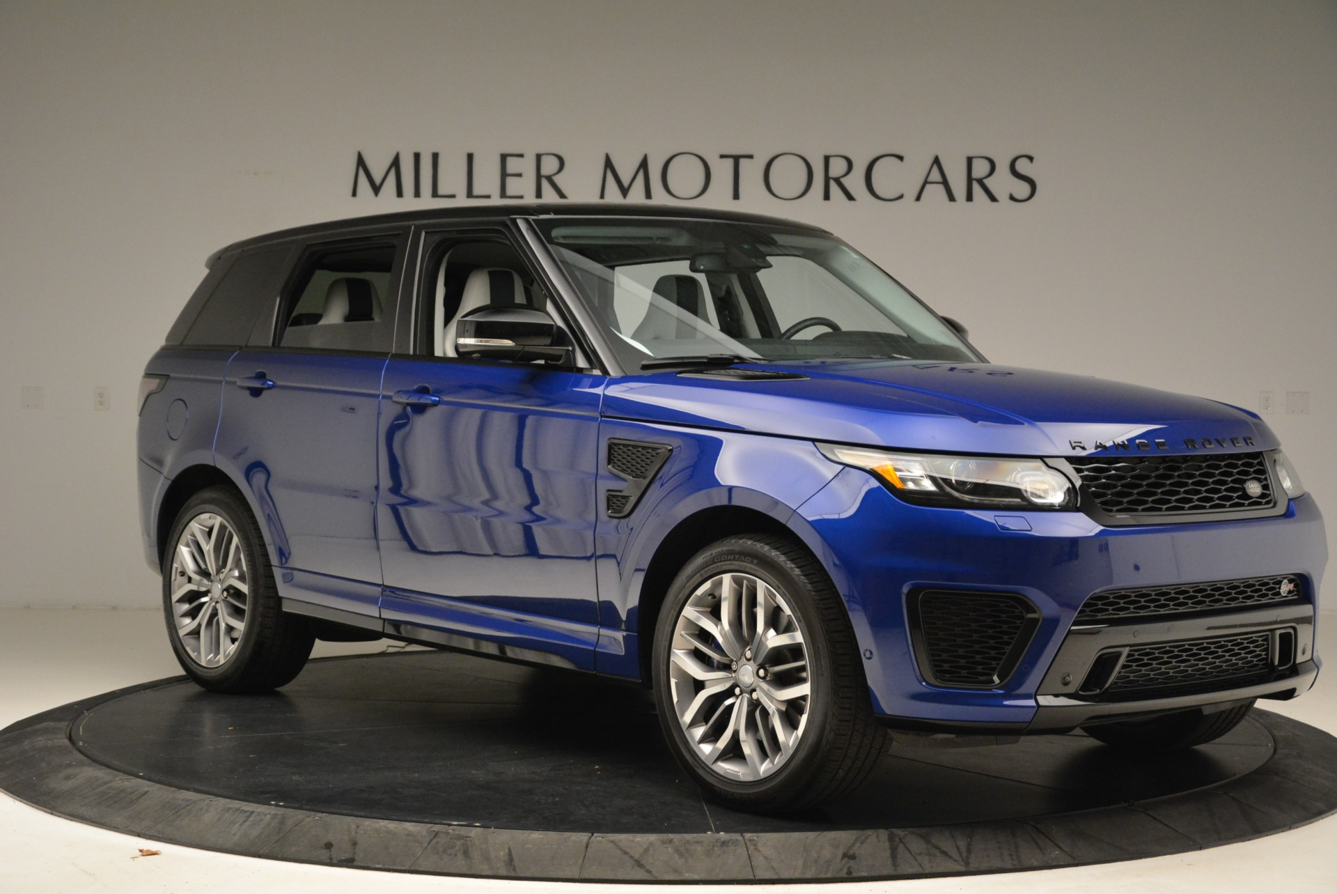 Used 2015 Land Rover Range Rover Sport SVR For Sale In Westport, CT 2046_p10