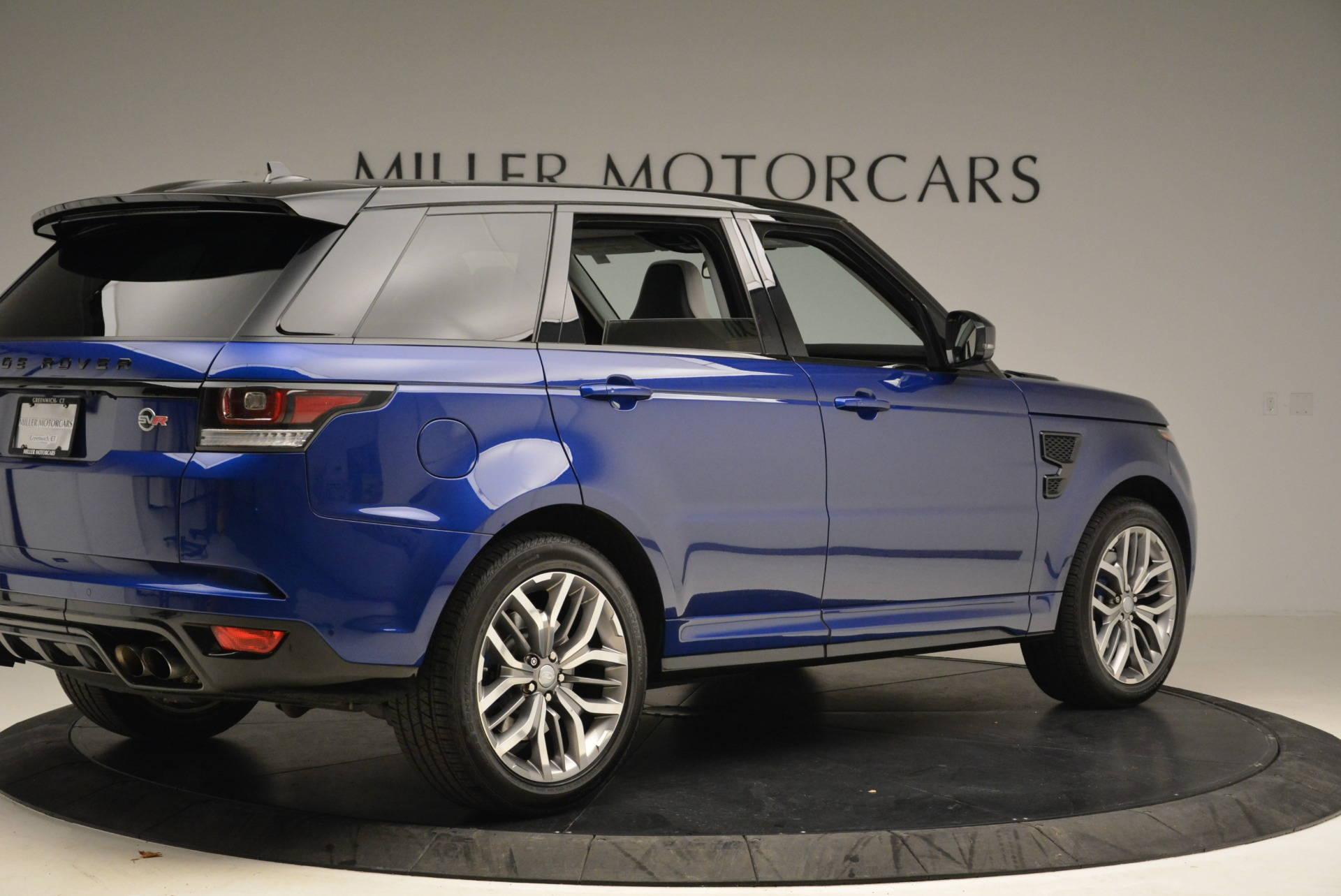 Used 2015 Land Rover Range Rover Sport SVR For Sale In Westport, CT 2046_p8
