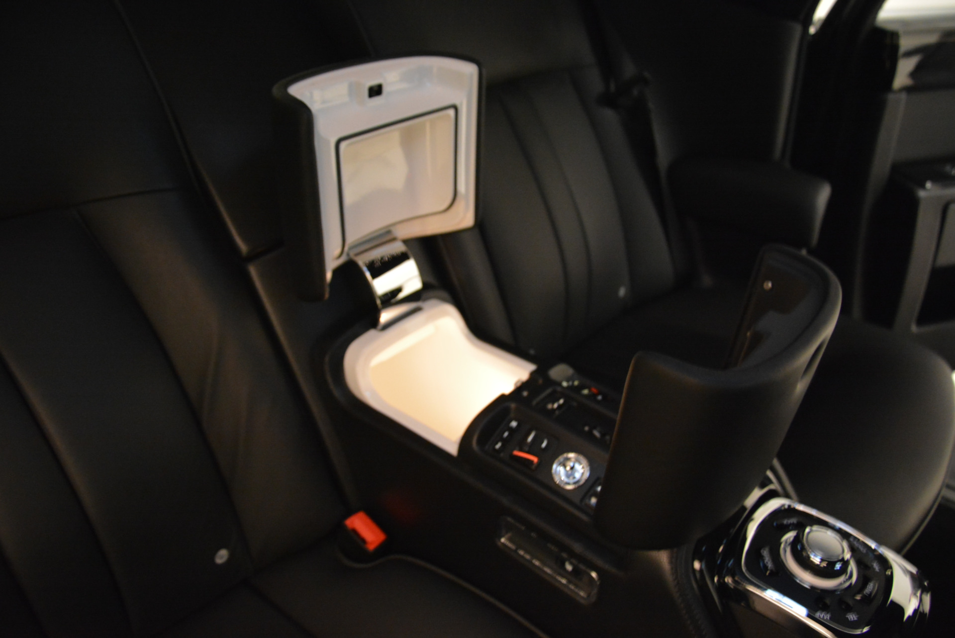 Used 2014 Rolls-Royce Phantom EWB For Sale In Westport, CT 2051_p21