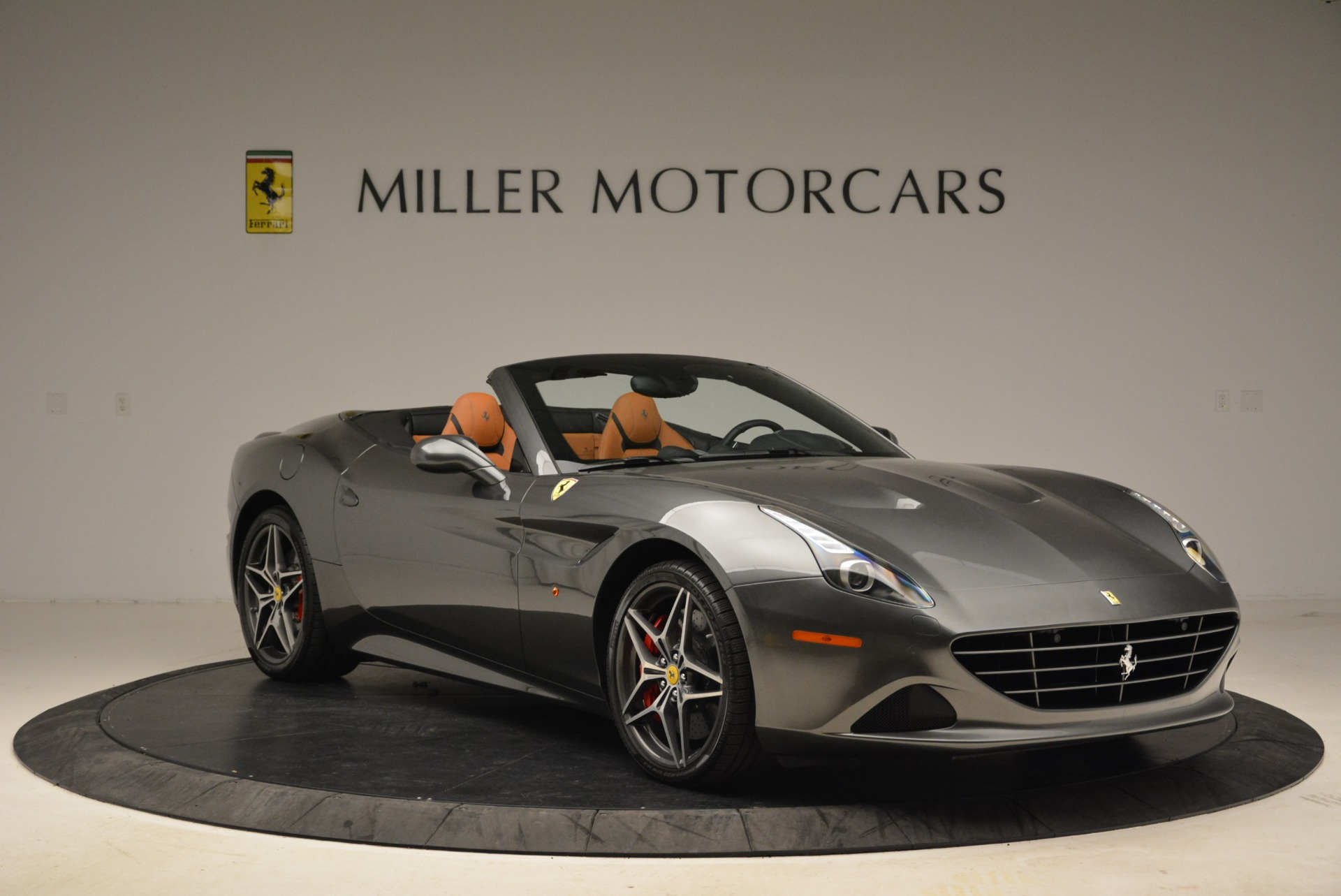 Used 2017 Ferrari California T Handling Speciale For Sale In Westport, CT 2054_p11