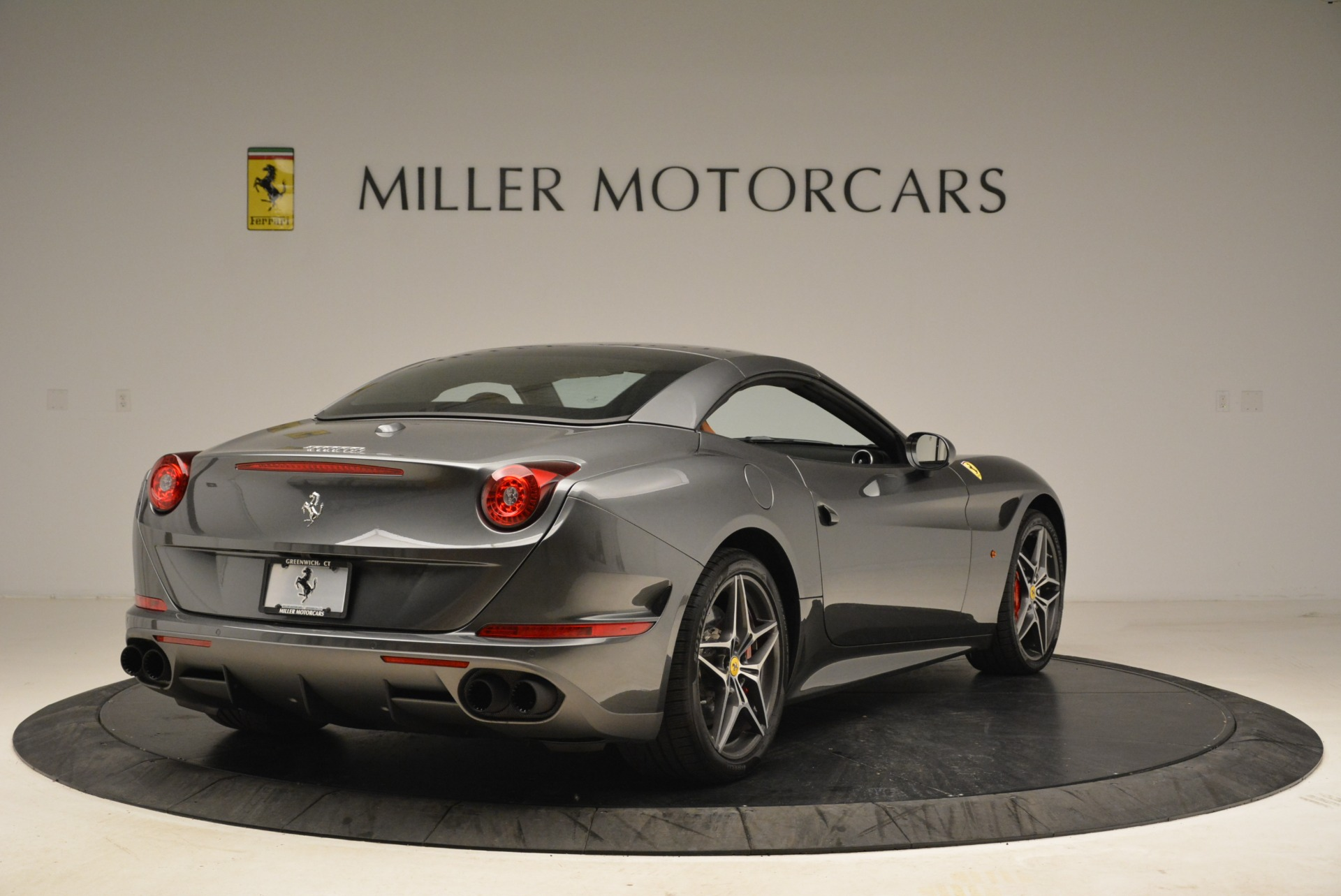 Used 2017 Ferrari California T Handling Speciale For Sale In Westport, CT 2054_p19
