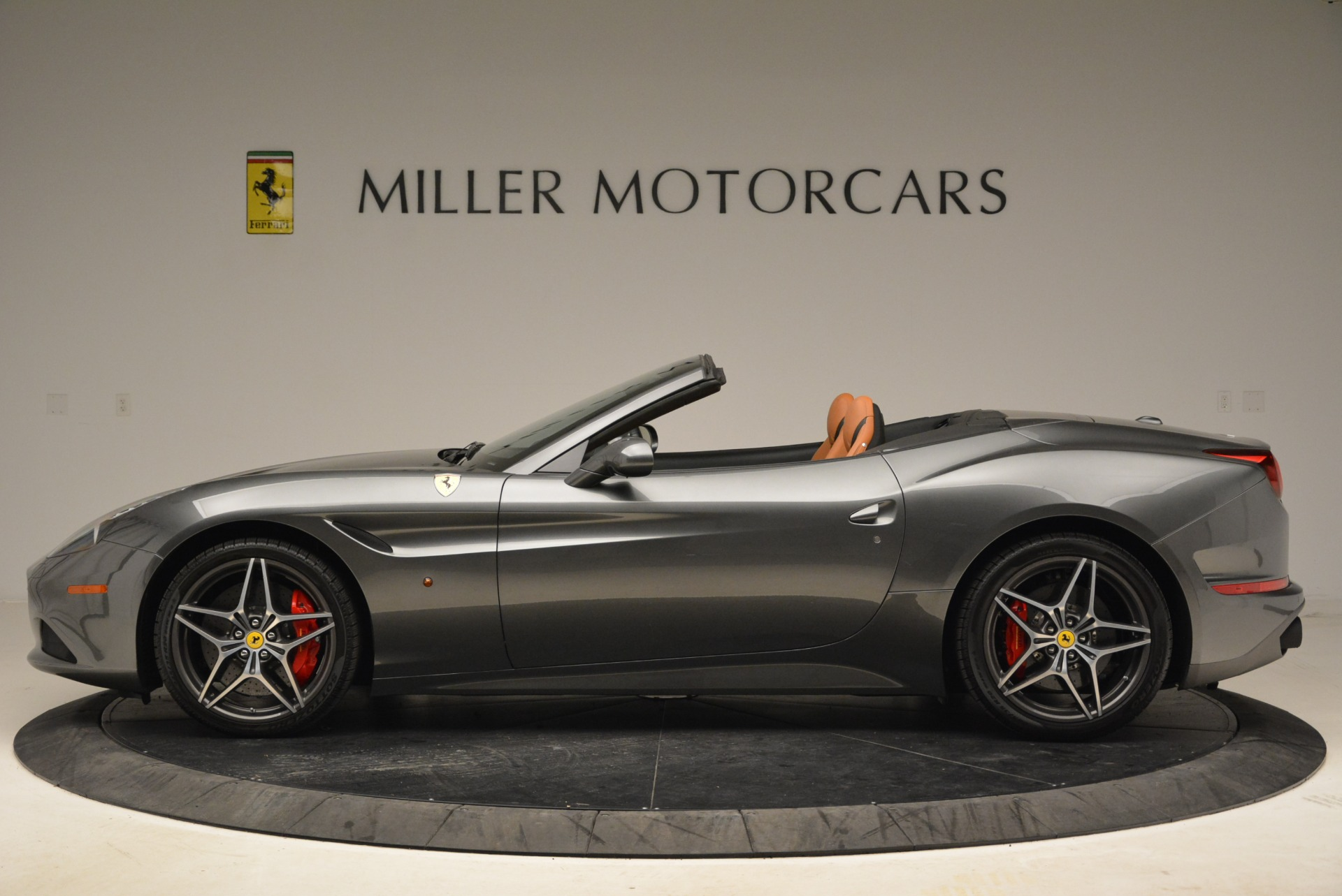 Used 2017 Ferrari California T Handling Speciale For Sale In Westport, CT 2054_p3
