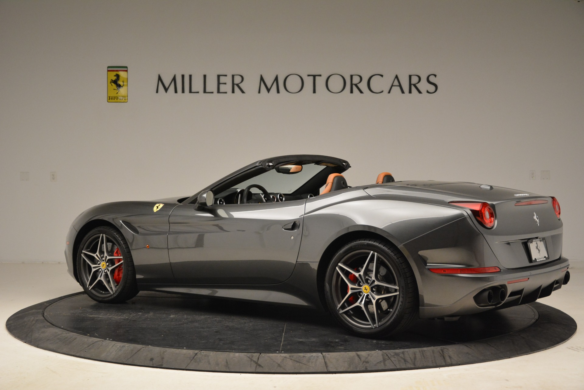 Used 2017 Ferrari California T Handling Speciale For Sale In Westport, CT 2054_p4