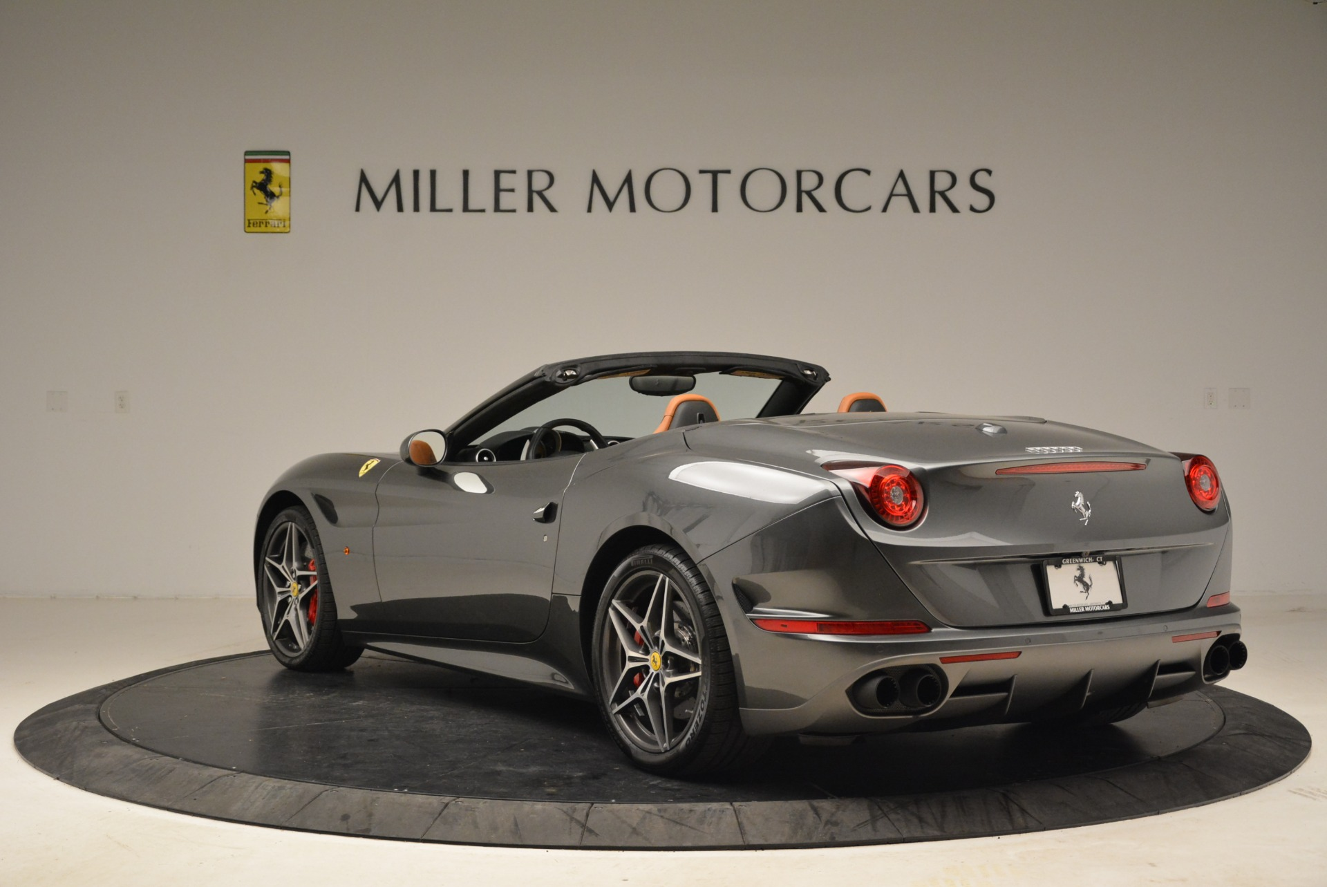 Used 2017 Ferrari California T Handling Speciale For Sale In Westport, CT 2054_p5