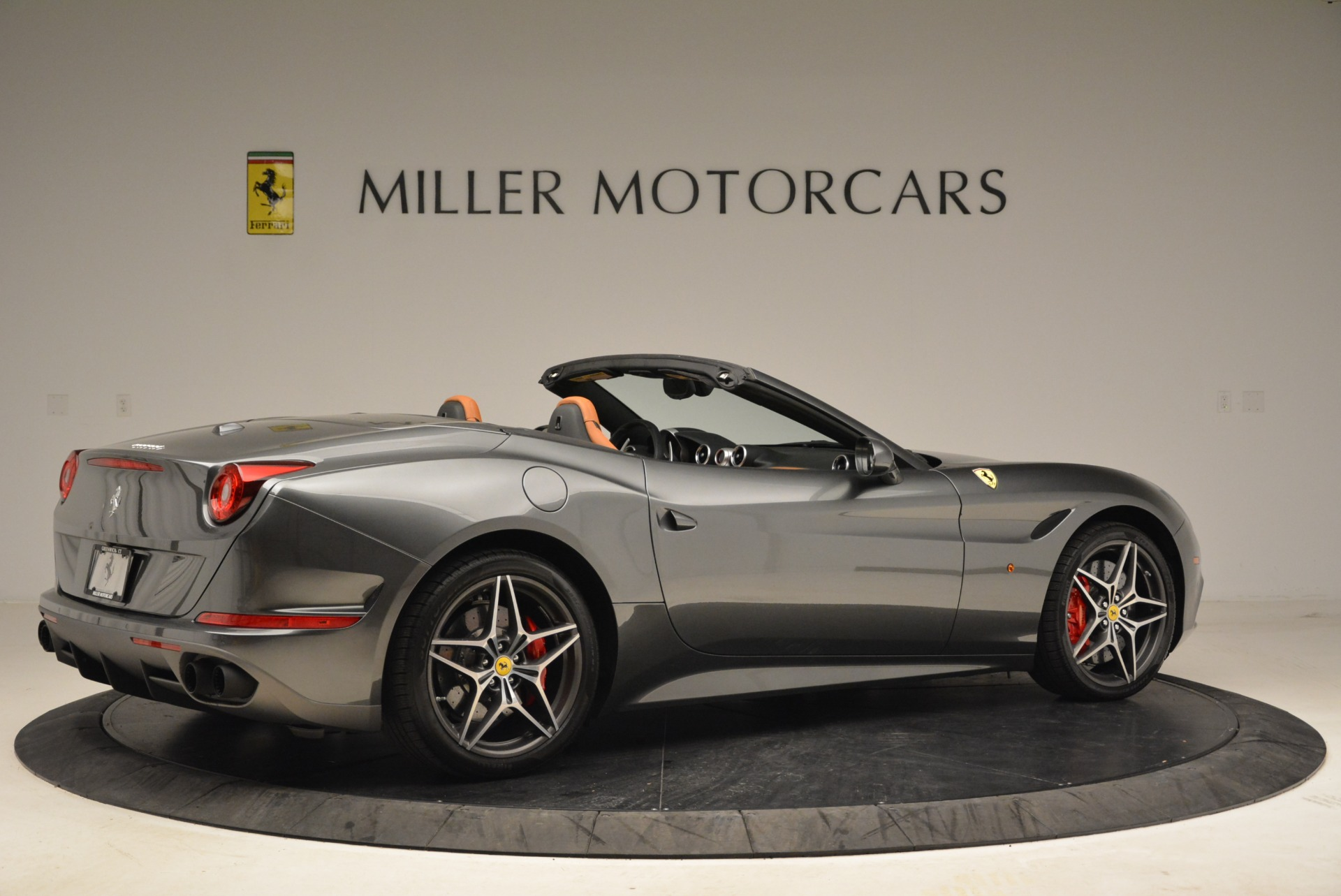 Used 2017 Ferrari California T Handling Speciale For Sale In Westport, CT 2054_p8