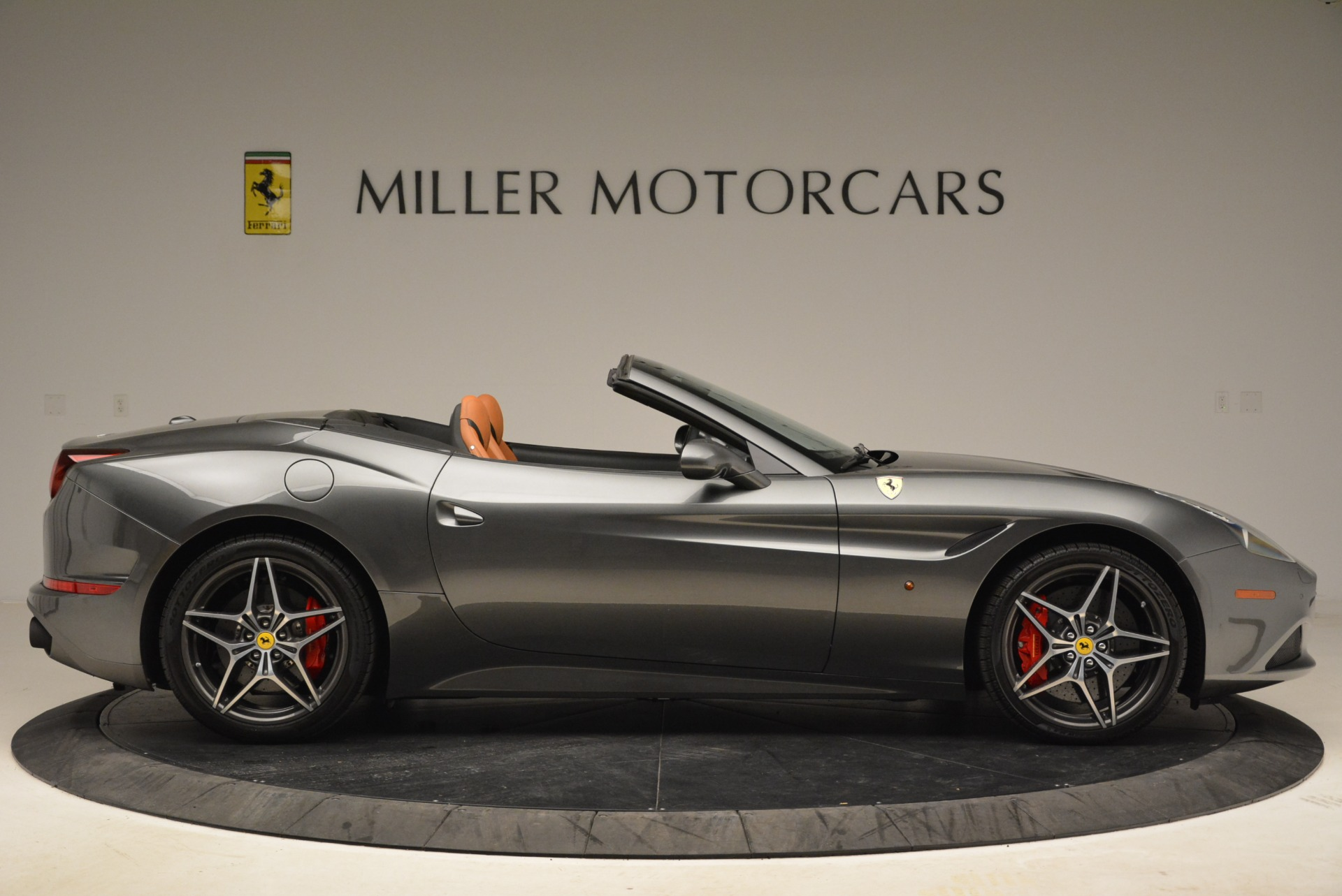 Used 2017 Ferrari California T Handling Speciale For Sale In Westport, CT 2054_p9
