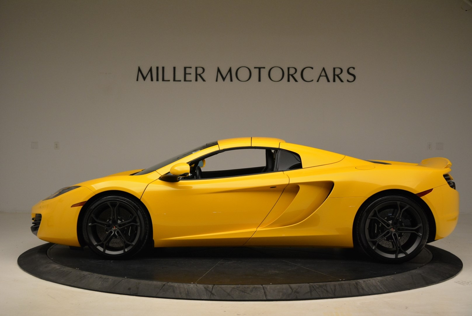 Used 2014 McLaren MP4-12C Spider For Sale In Westport, CT 2057_p16