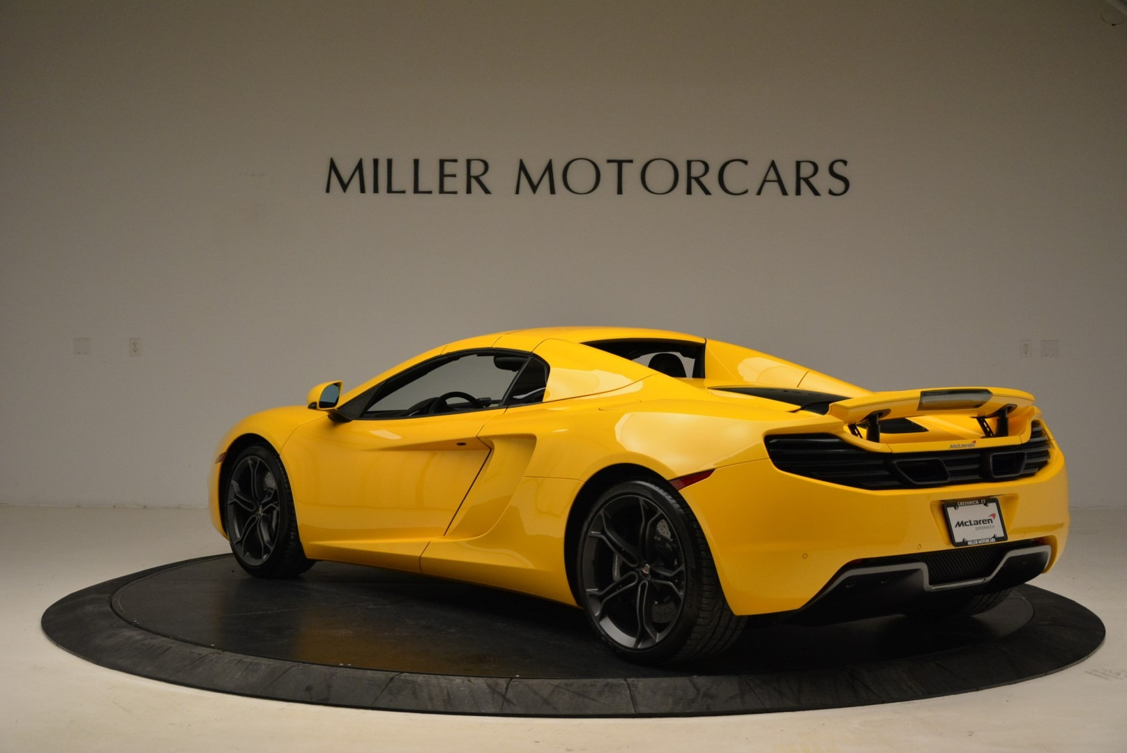 Used 2014 McLaren MP4-12C Spider For Sale In Westport, CT 2057_p17
