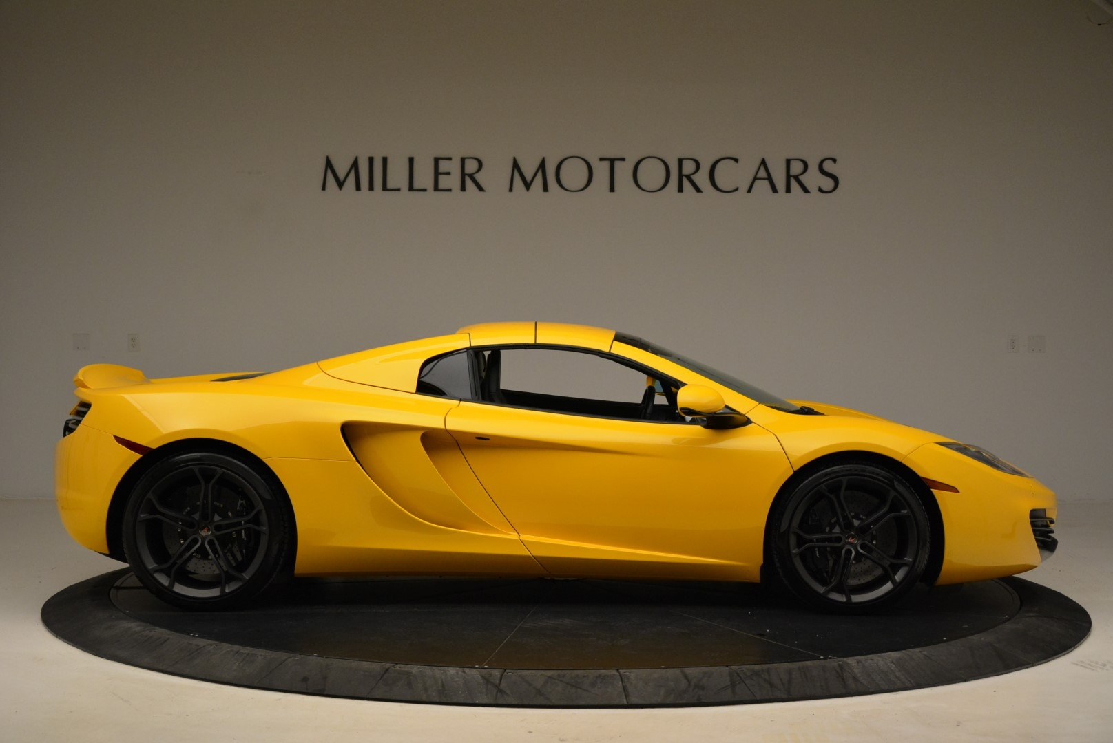 Used 2014 McLaren MP4-12C Spider For Sale In Westport, CT 2057_p20