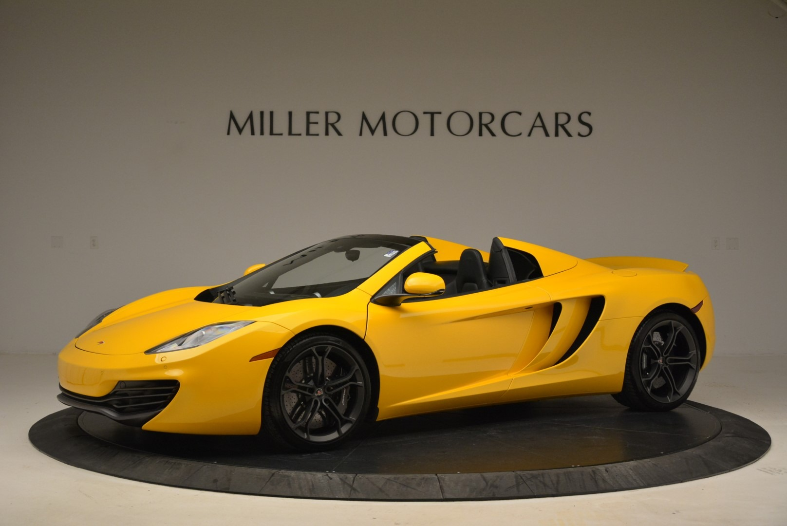 Used 2014 McLaren MP4-12C Spider For Sale In Westport, CT 2057_p2
