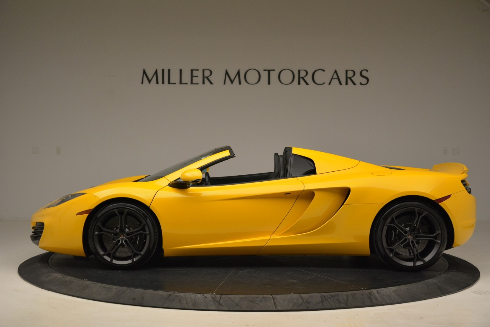 Used 2014 McLaren MP4-12C Spider For Sale In Westport, CT 2057_p3