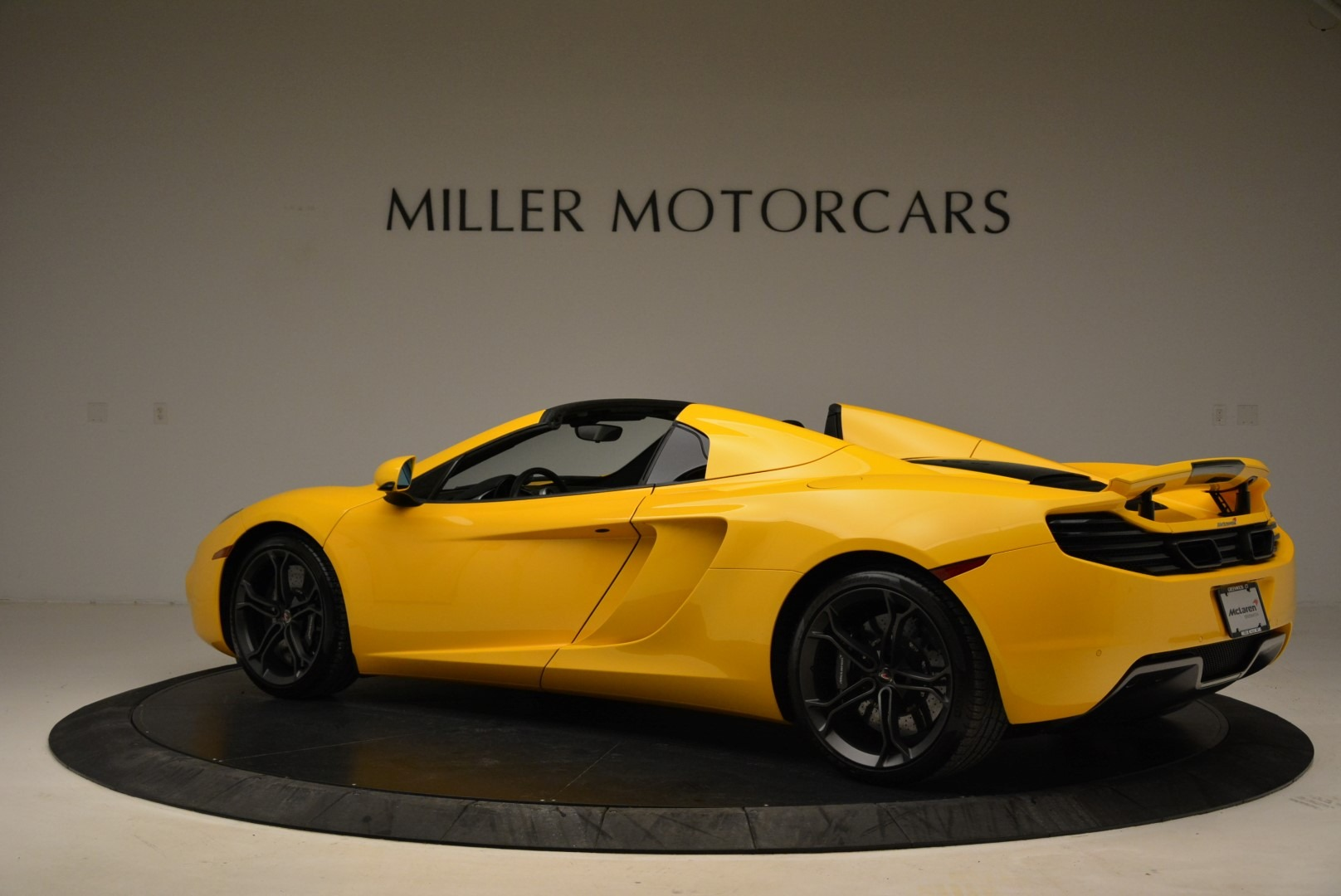 Used 2014 McLaren MP4-12C Spider For Sale In Westport, CT 2057_p4