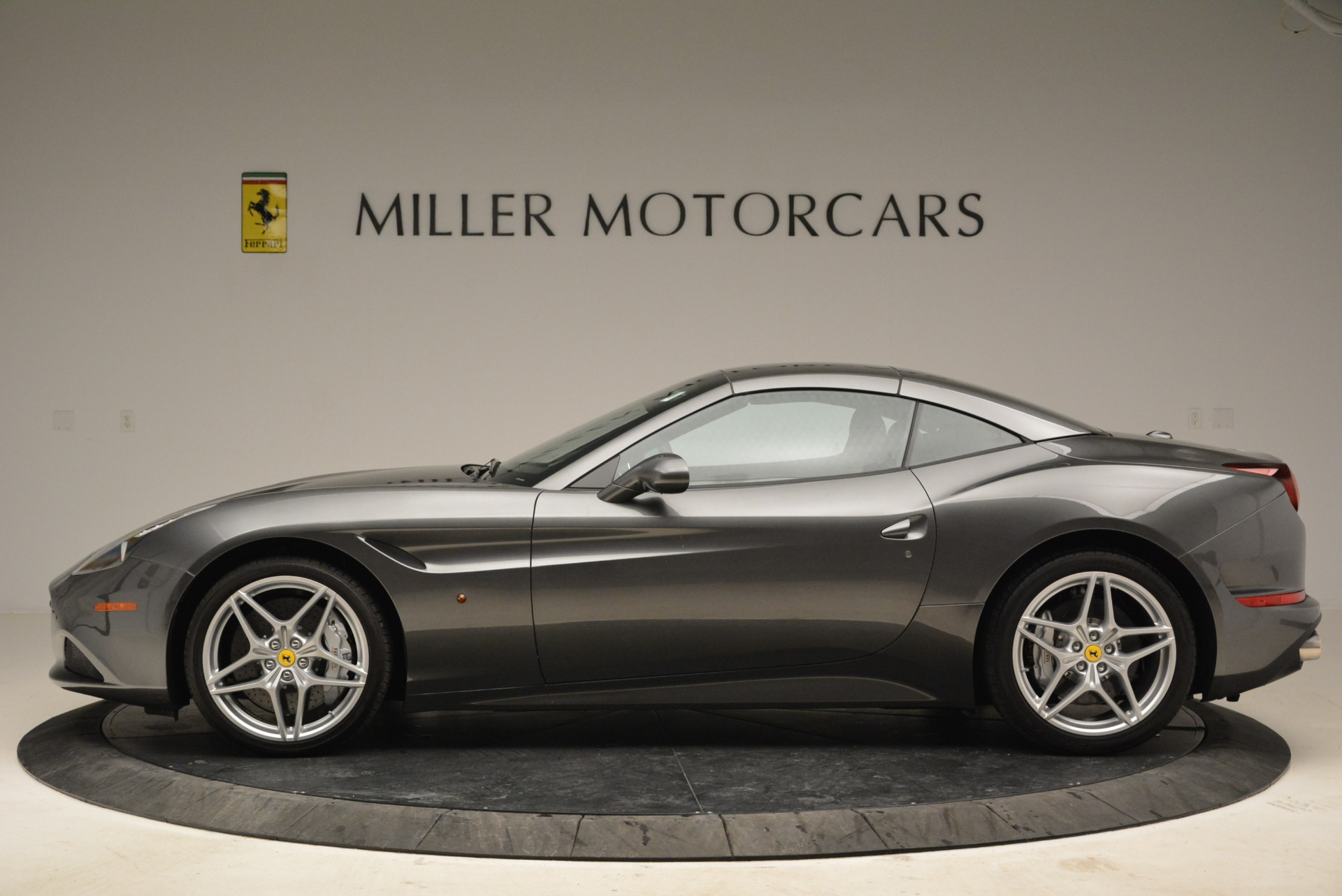 Used 2016 Ferrari California T  For Sale In Westport, CT 2069_p15