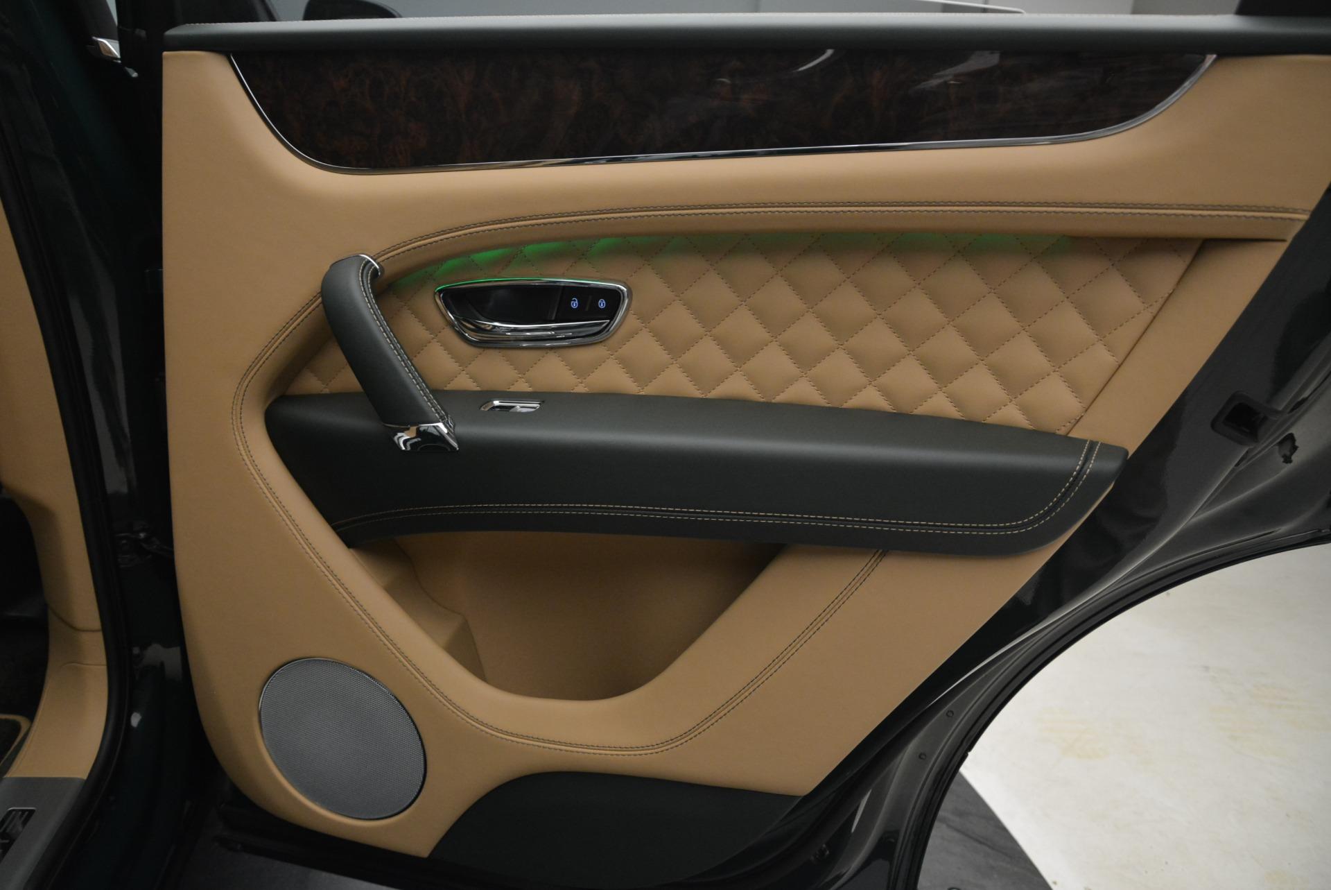 New 2018 Bentley Bentayga Signature For Sale In Westport, CT 2072_p35