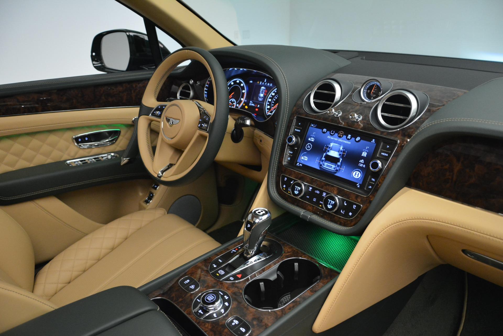 New 2018 Bentley Bentayga Signature For Sale In Westport, CT 2072_p44