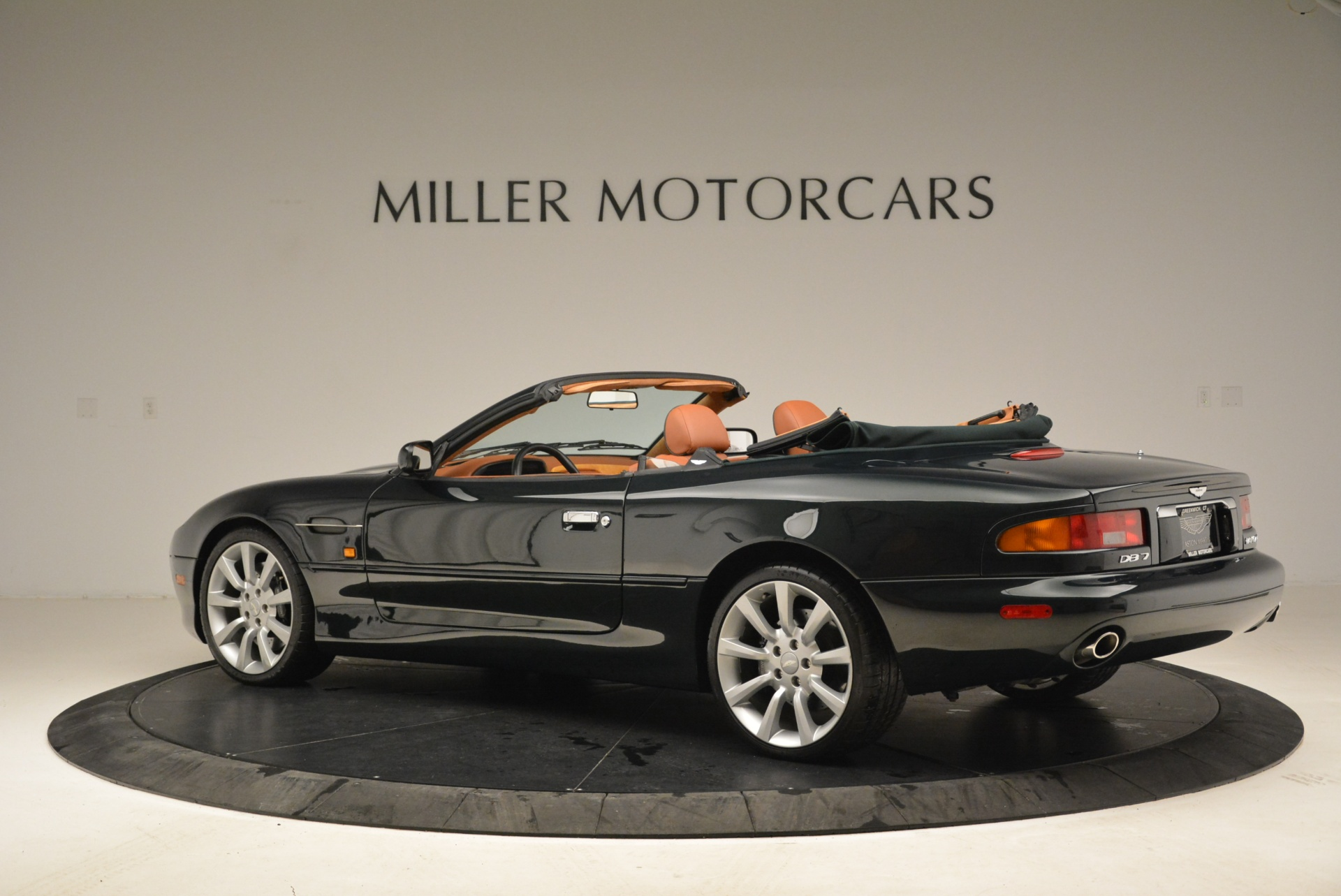Used 2003 Aston Martin DB7 Vantage Volante For Sale In Westport, CT 2084_p4