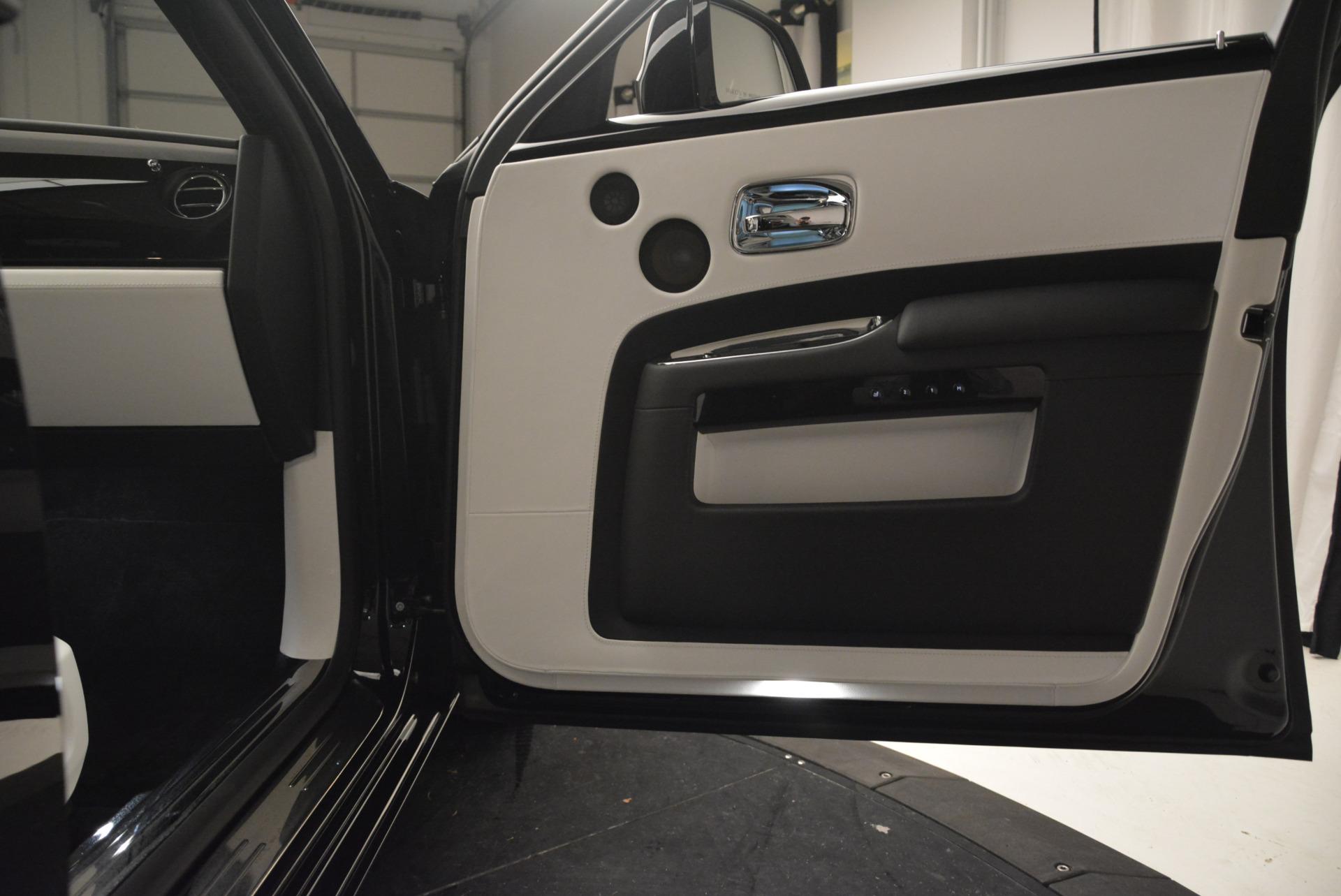 Used 2017 Rolls-Royce Ghost Black Badge For Sale In Westport, CT 2093_p26