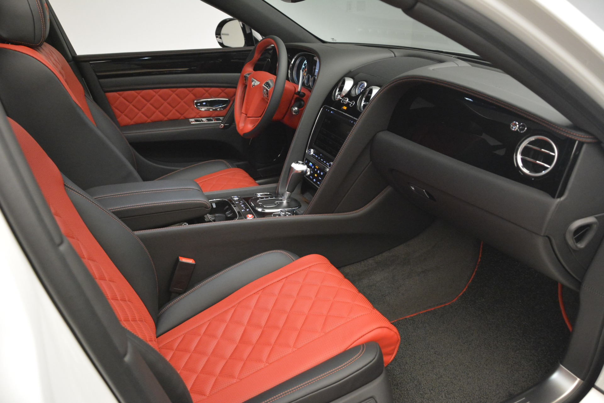 New 2018 Bentley Flying Spur V8 S Black Edition For Sale In Westport, CT 2096_p27