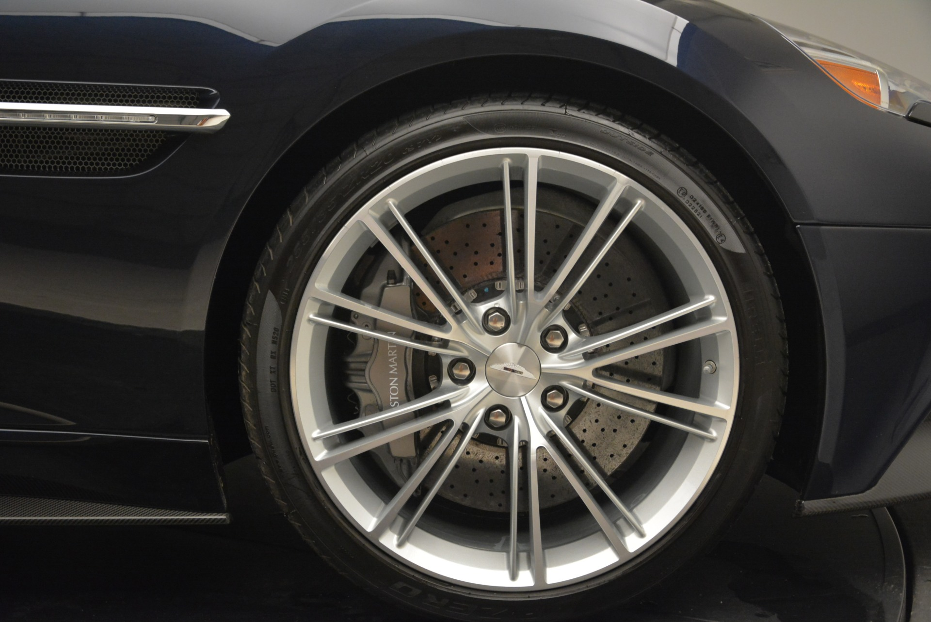 Used 2014 Aston Martin Vanquish Volante For Sale In Westport, CT 2097_p28