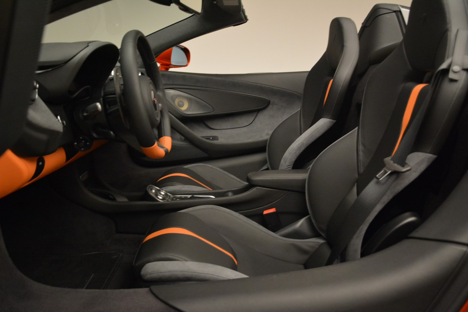 New 2018 McLaren 570S Spider For Sale In Westport, CT 2098_p26