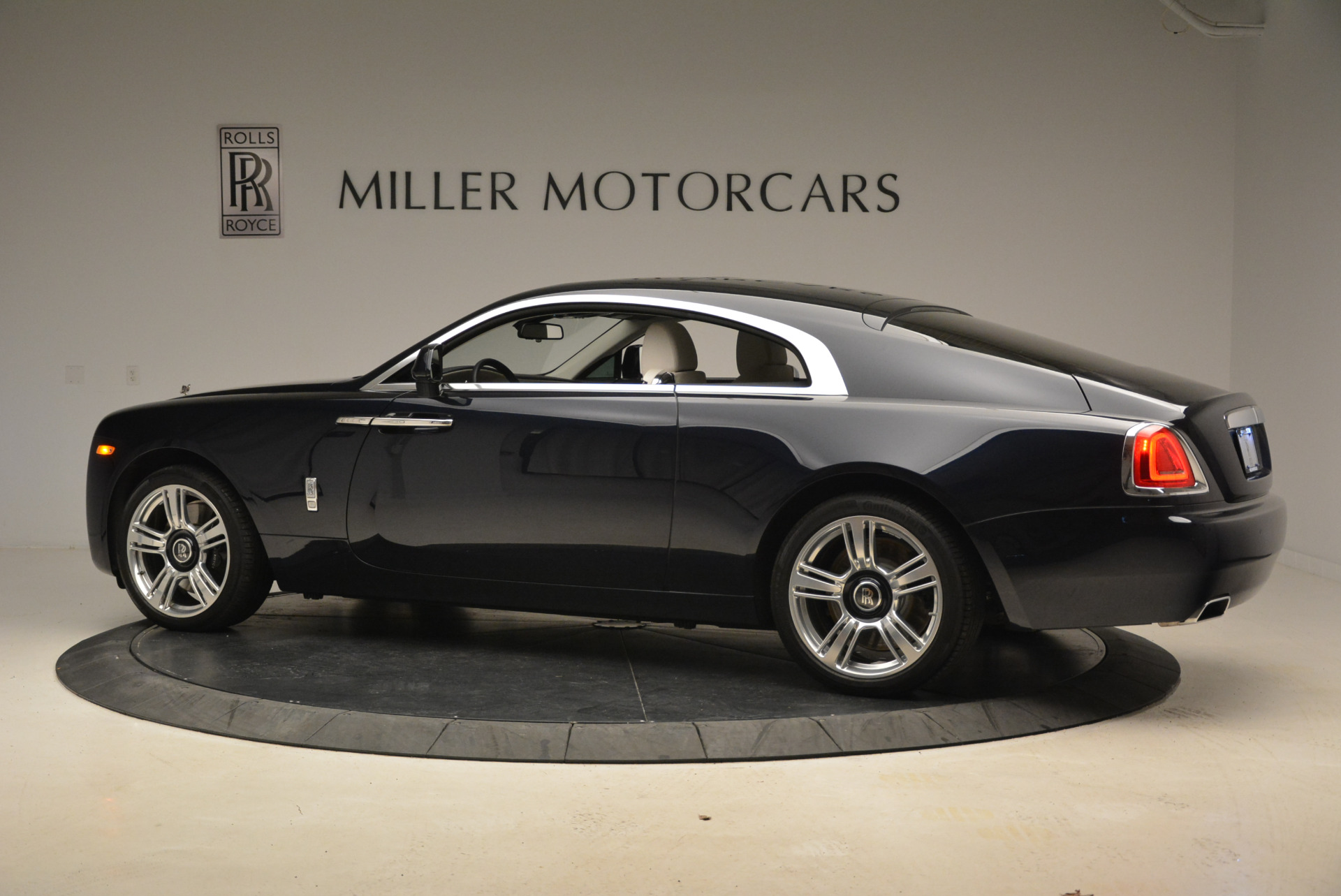 Used 2015 Rolls-Royce Wraith  For Sale In Westport, CT 2099_p4