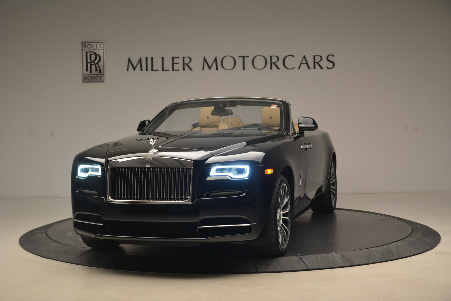 Used 2018 Rolls-Royce Dawn  For Sale In Westport, CT 2105_main
