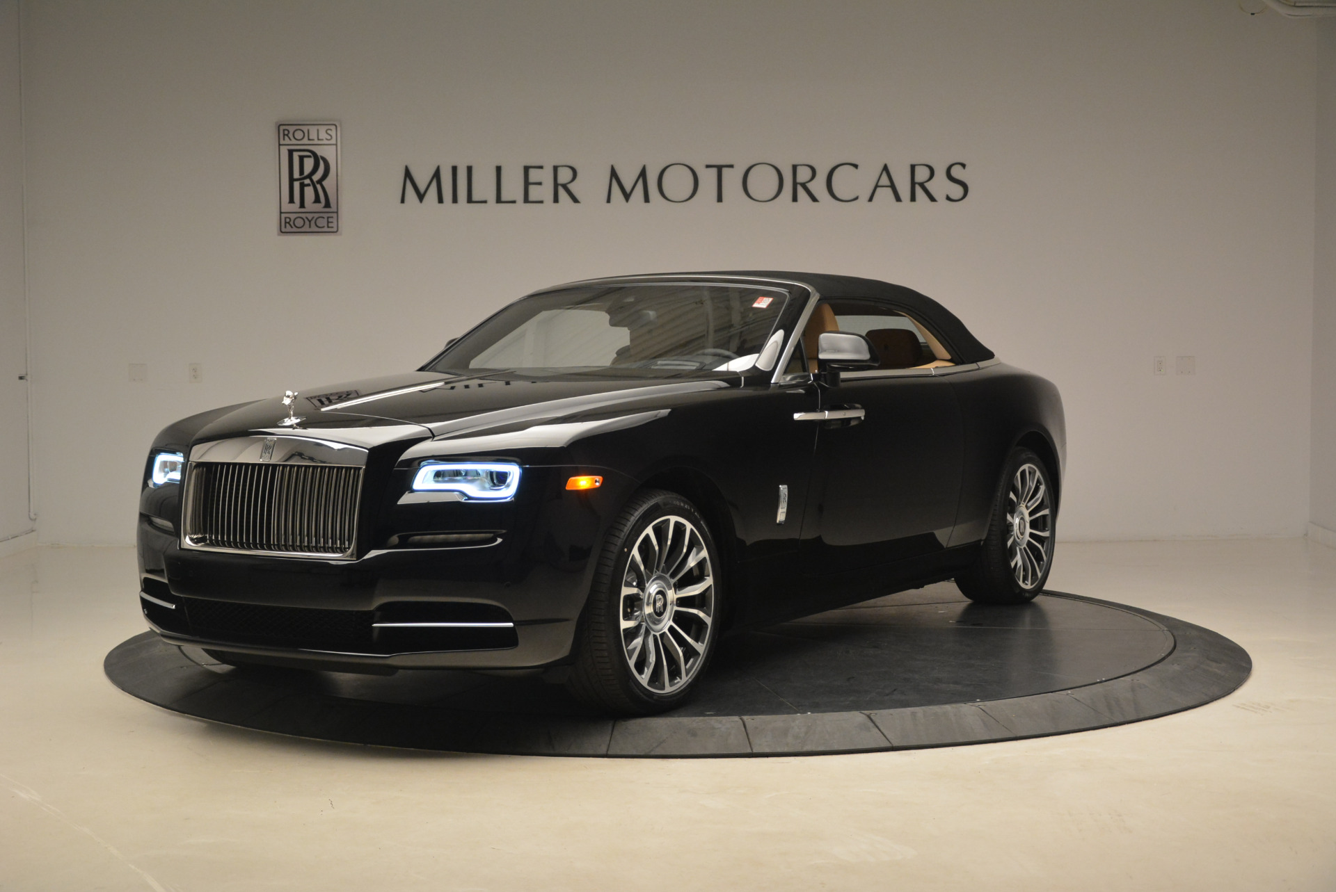 Used 2018 Rolls-Royce Dawn  For Sale In Westport, CT 2105_p12