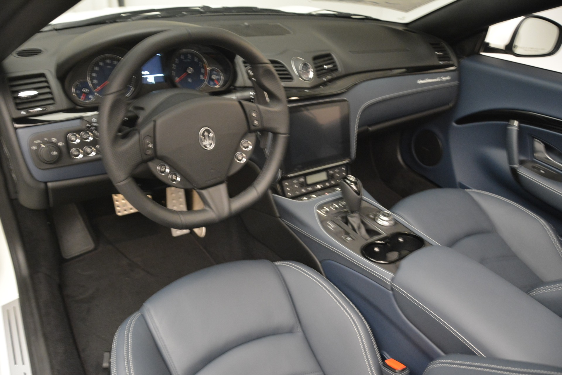 New 2018 Maserati GranTurismo Sport Convertible For Sale In Westport, CT 2120_p11