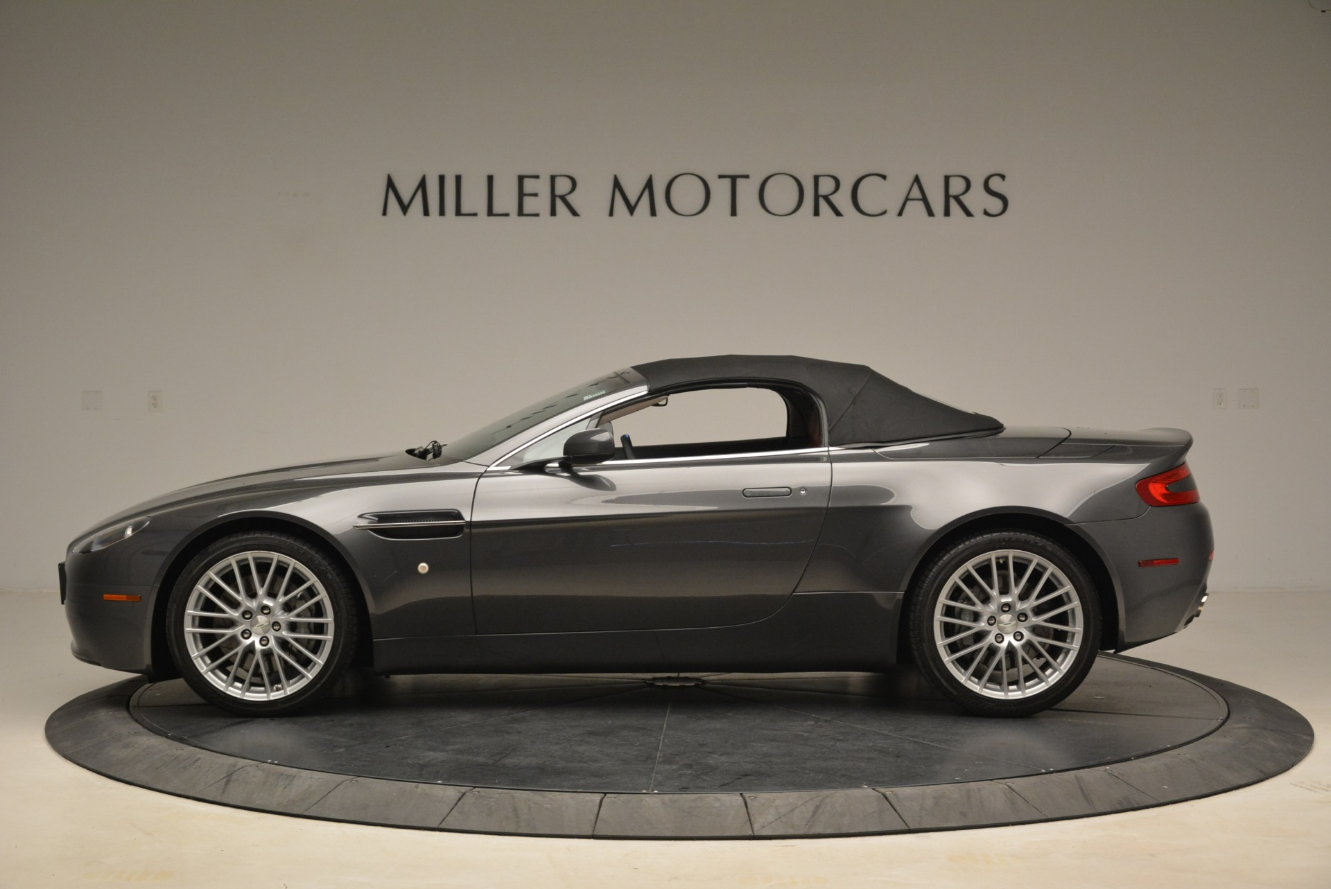 Used 2009 Aston Martin V8 Vantage Roadster For Sale In Westport, CT 2123_p15