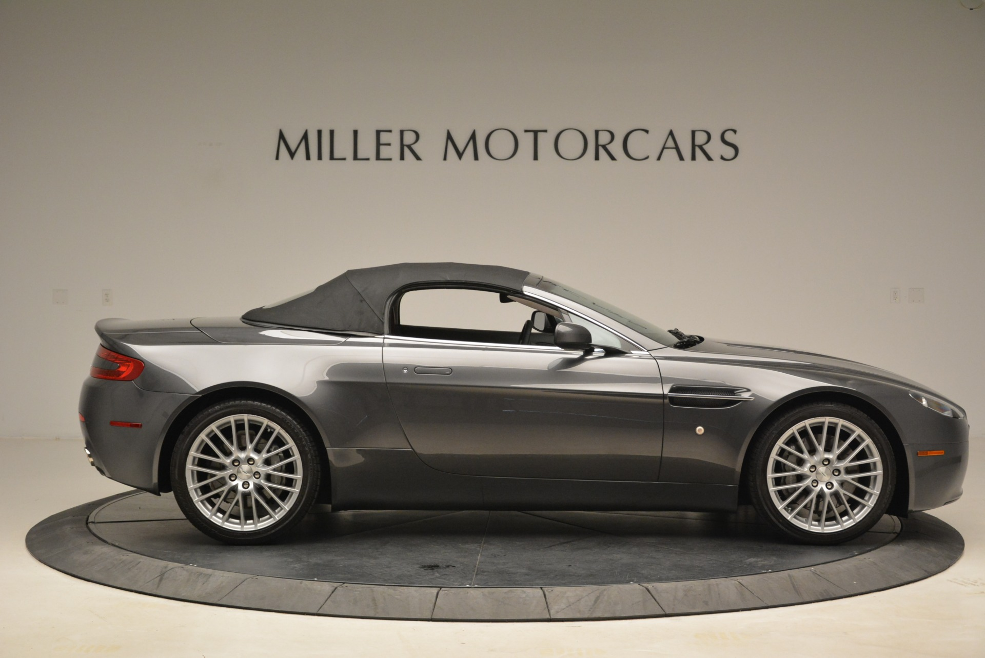 Used 2009 Aston Martin V8 Vantage Roadster For Sale In Westport, CT 2123_p21
